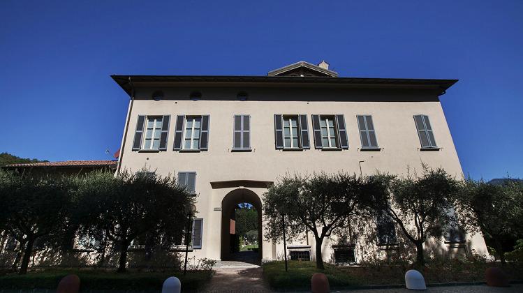 Villa maderni locazione di case e di stanze ammobiliate for Affitto arredato faloppio