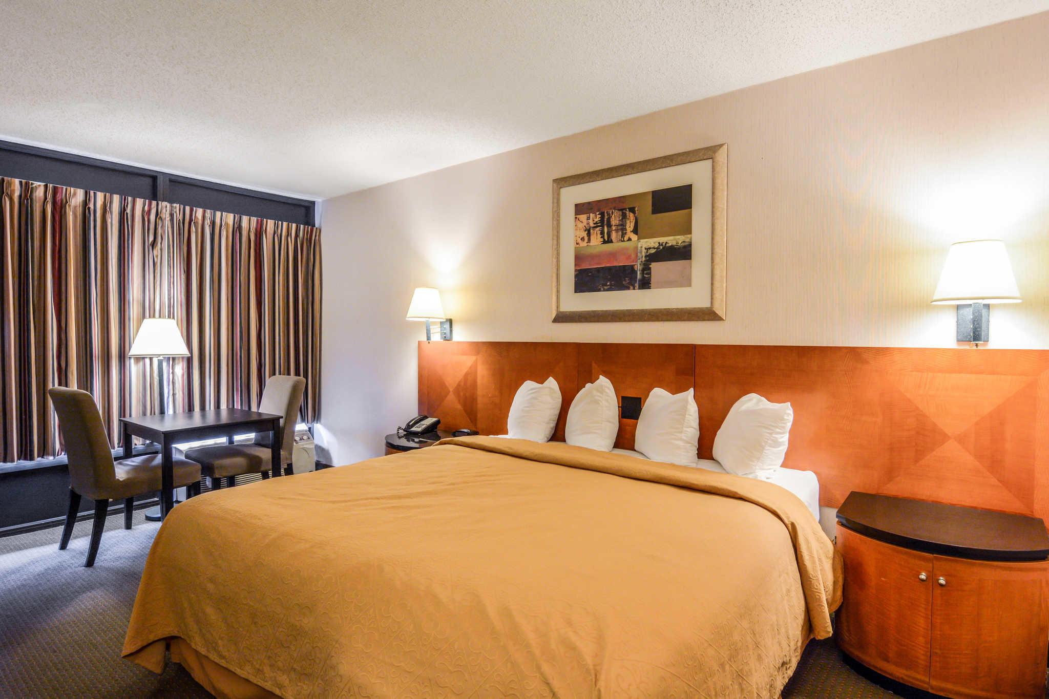 Quality Inn Skyline Drive image 16