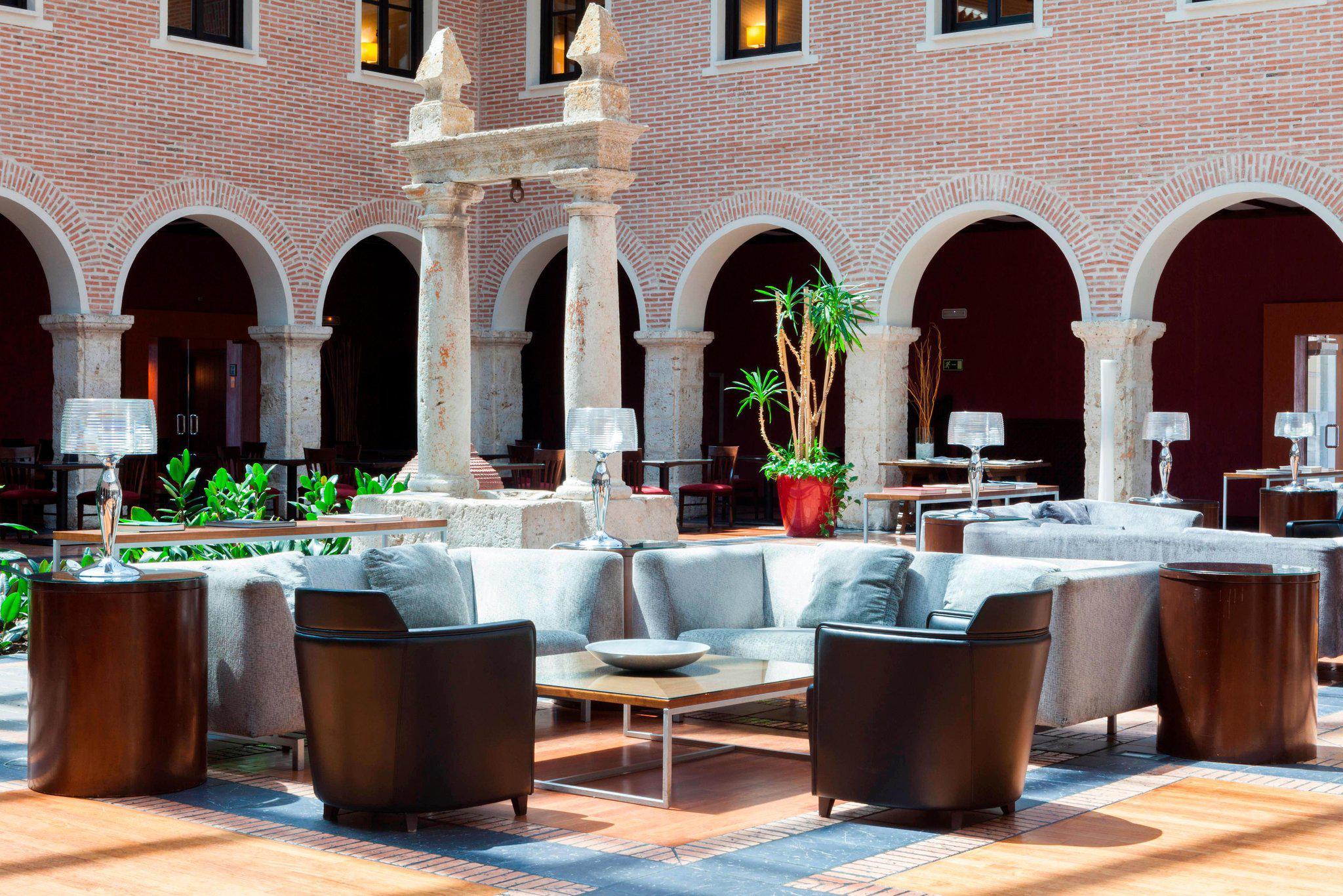 AC Hotel by Marriott Palacio de Santa Ana