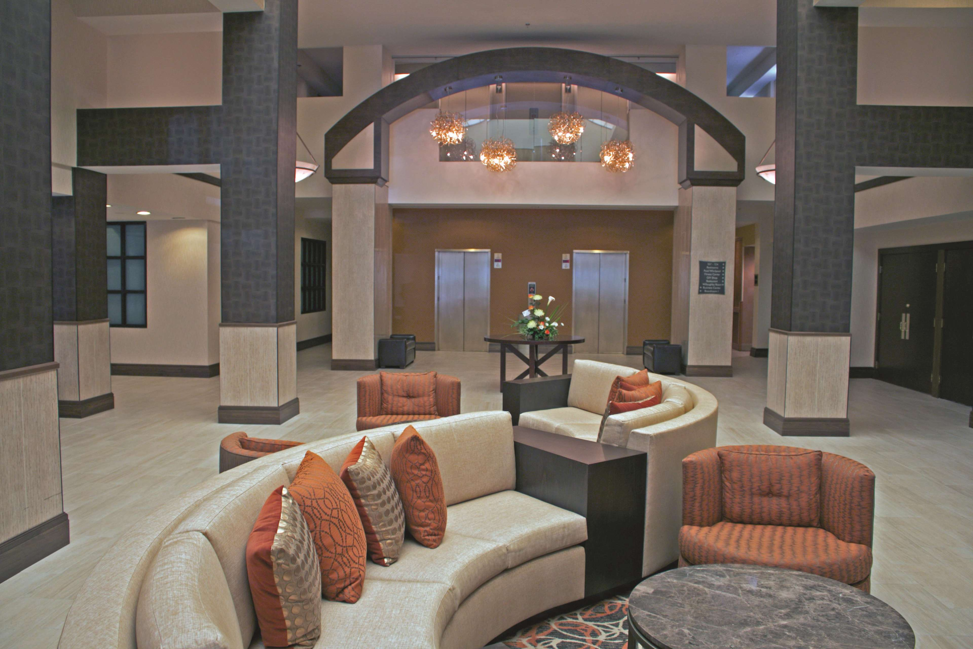 DoubleTree by Hilton Hotel Norfolk Airport image 4