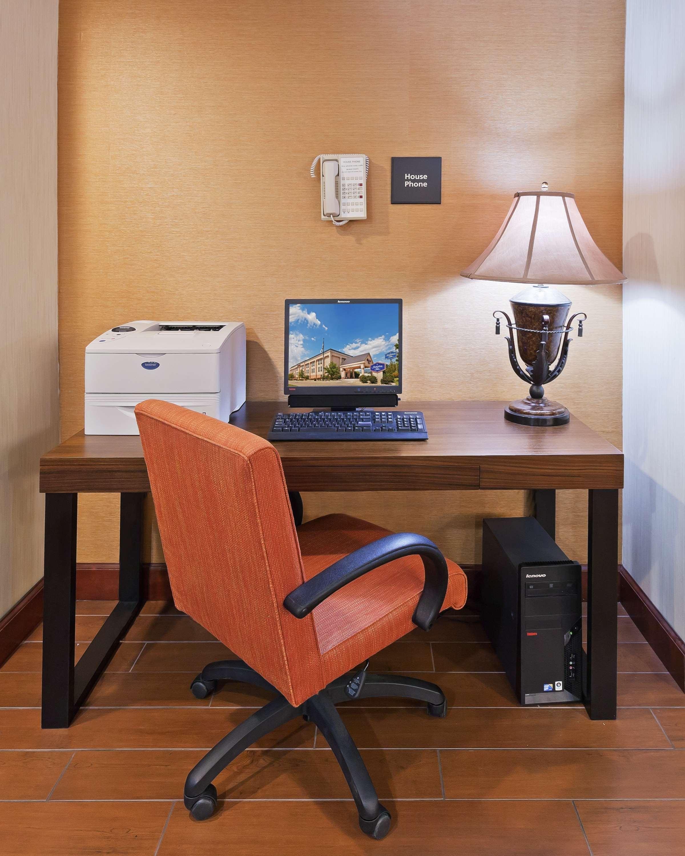 Hampton Inn Manhattan image 25