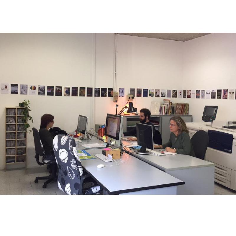 Grafica punto print for Affitto coworking roma