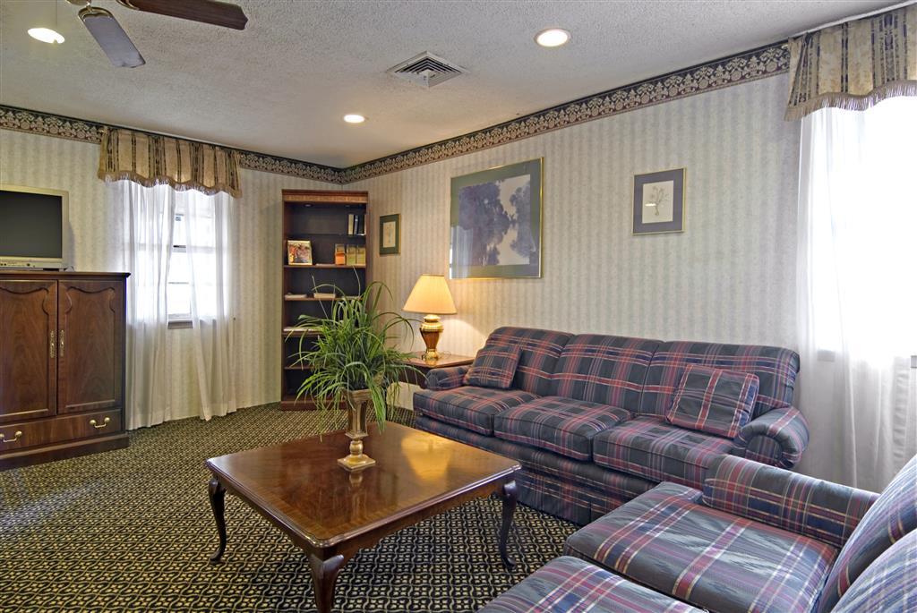 Americas Best Value Inn Jonesboro image 4