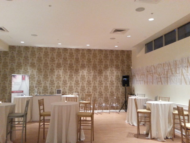 Gemini wallcovering renovations inc citysearch for Wallpaper for hall walls