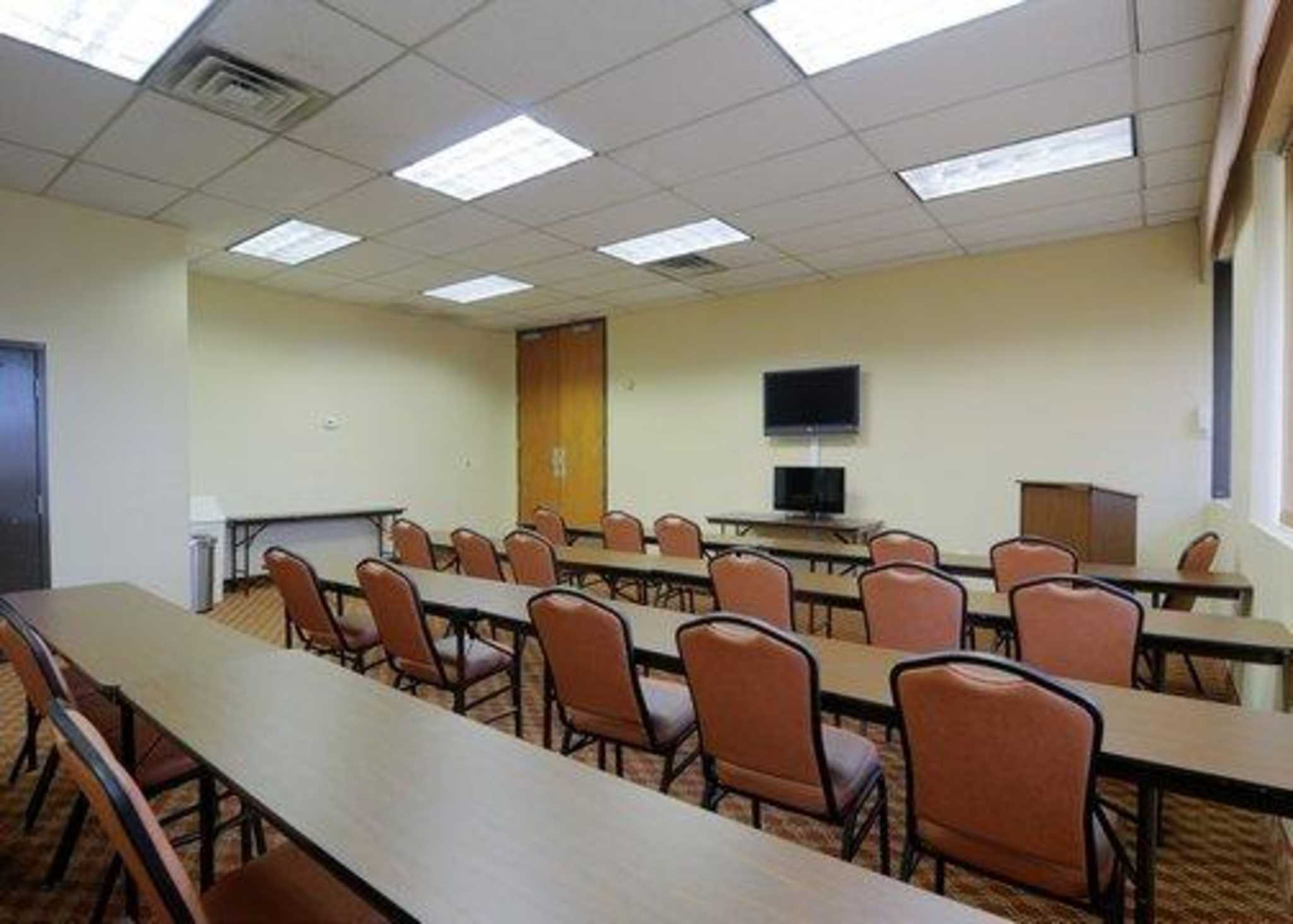 Quality Inn Mount Airy Mayberry image 42