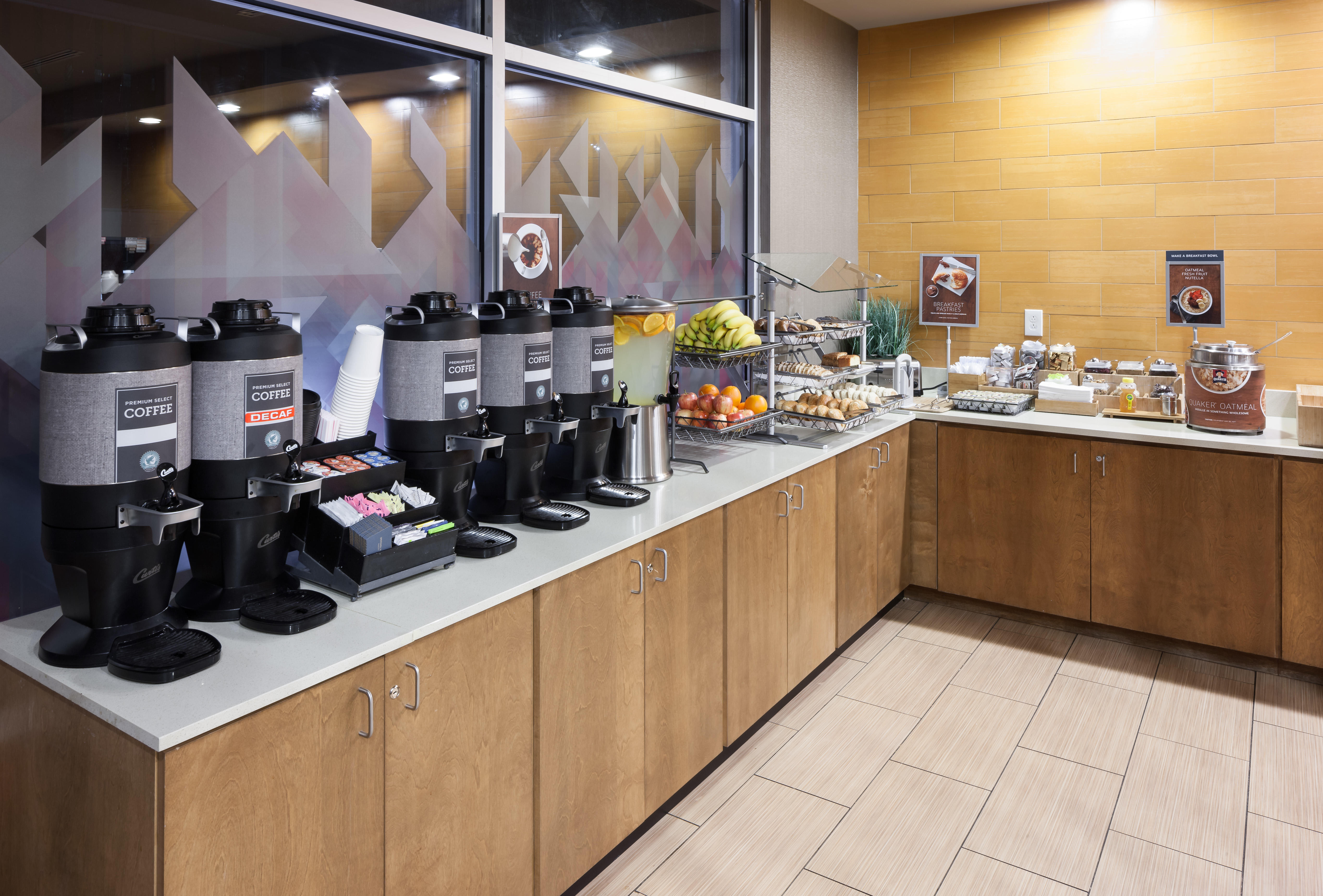 SpringHill Suites by Marriott Salt Lake City Airport image 4