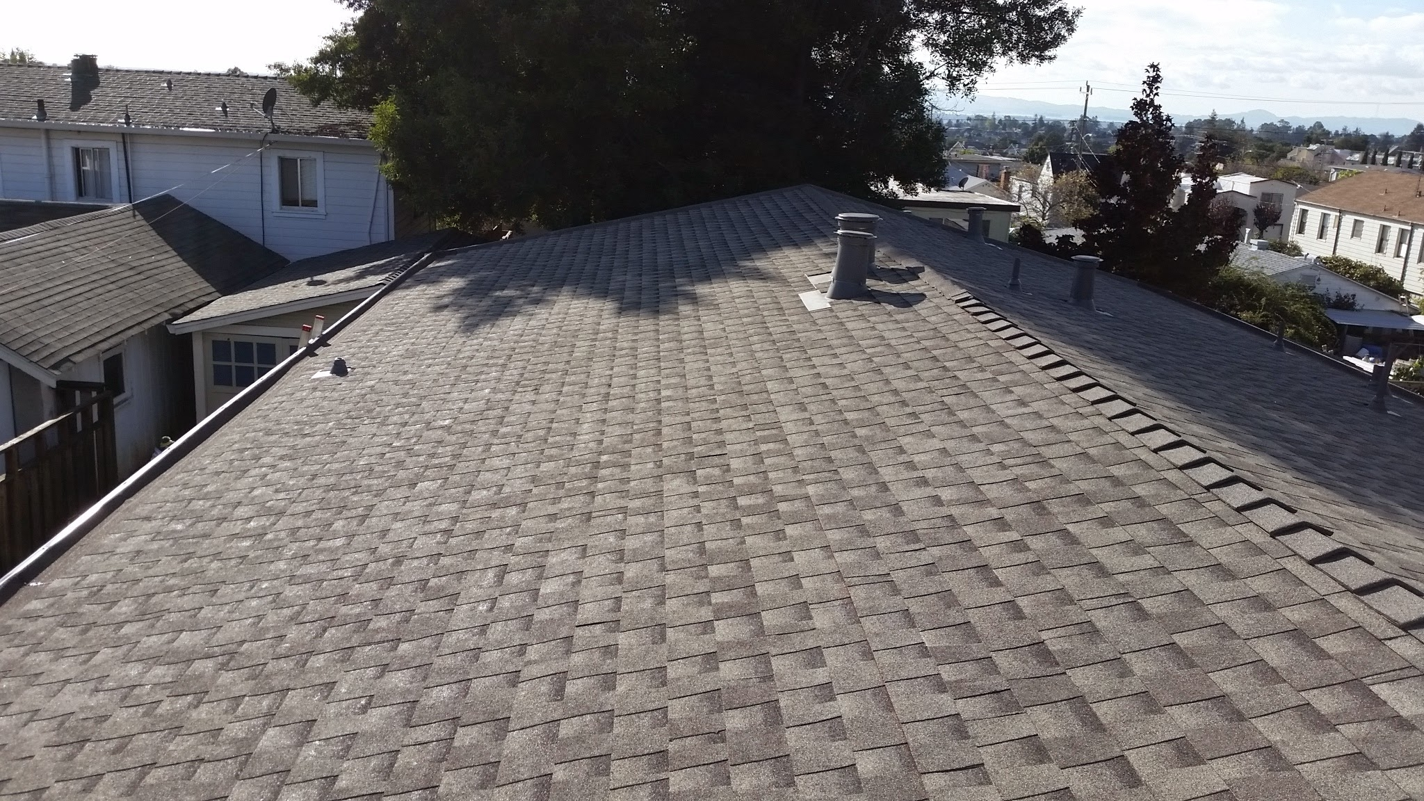 Pacific coast roofing service in richmond ca whitepages for Jj fish and chicken chicago il