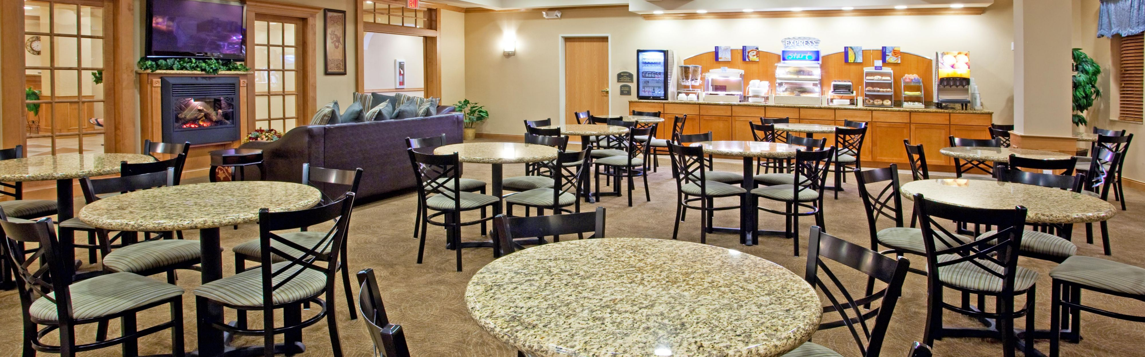 Holiday Inn Express & Suites Chesterfield - Selfridge Area image 3