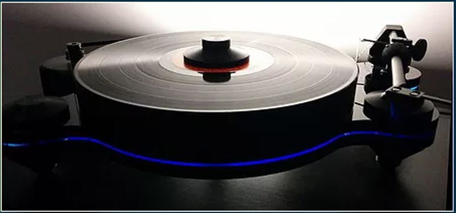 Executive Stereo in North York: Discover the origins of the craftsmanship and sound quality of Oracle Audio with the all new Oracle Origine turntable. Equipped with the brand new Oracle Tonearm, the Origine delivers music with intensity and musicality!
