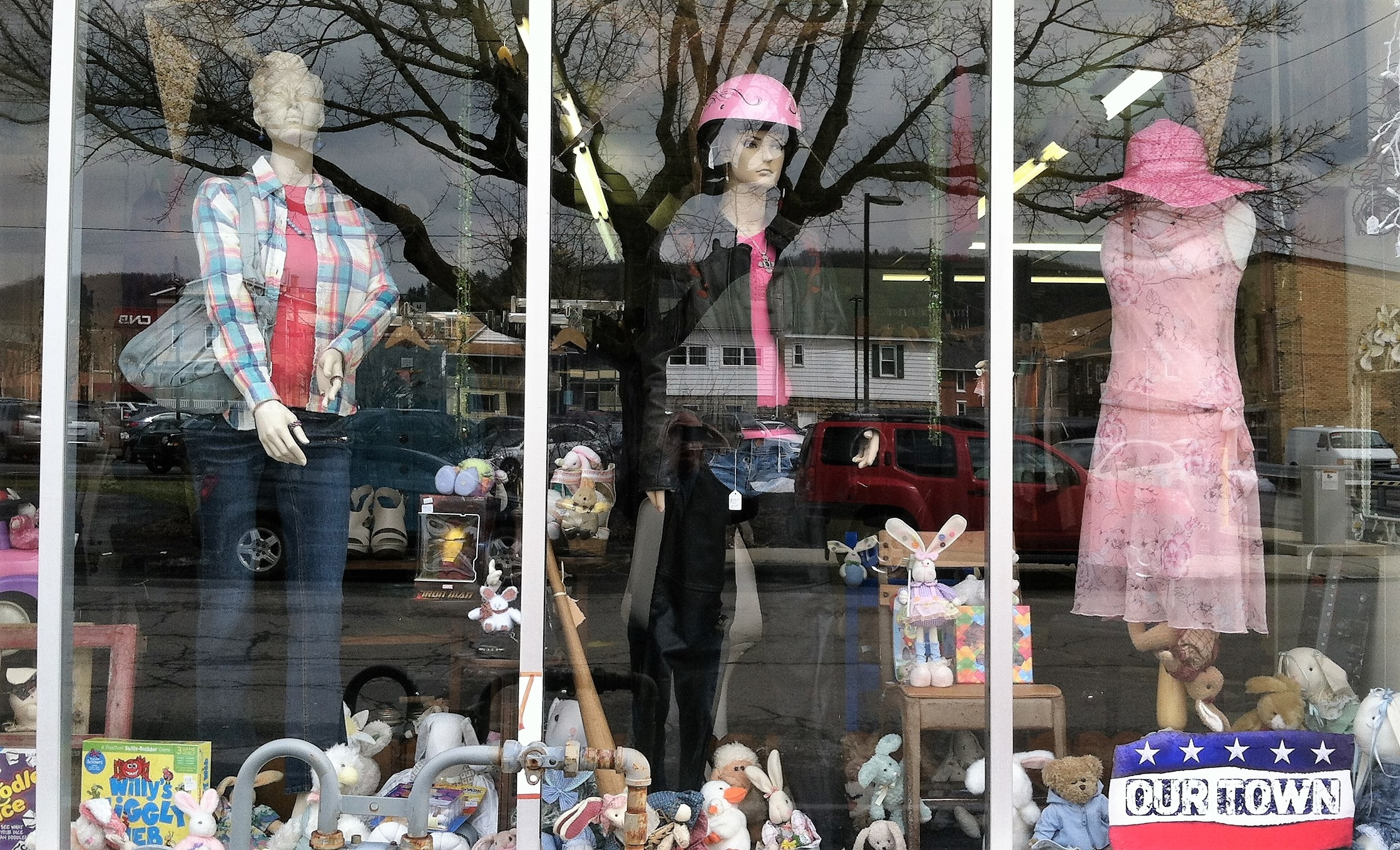 Our Town Boutique / Consignment image 7