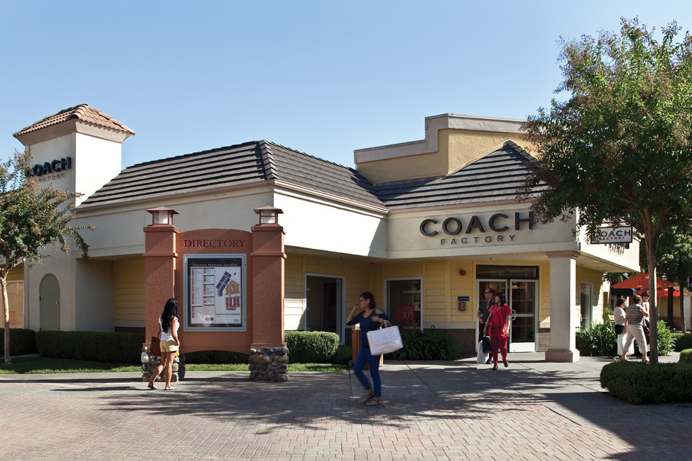 The Nike Factory Store at Folsom Premium Outlets brings the customers shop their Nike products from shoes, clothes, athletic accessories, sporting gears and much more. As I entered, the atmosphere and the concept remain the same as most Nike stores has across the United States/5(70).