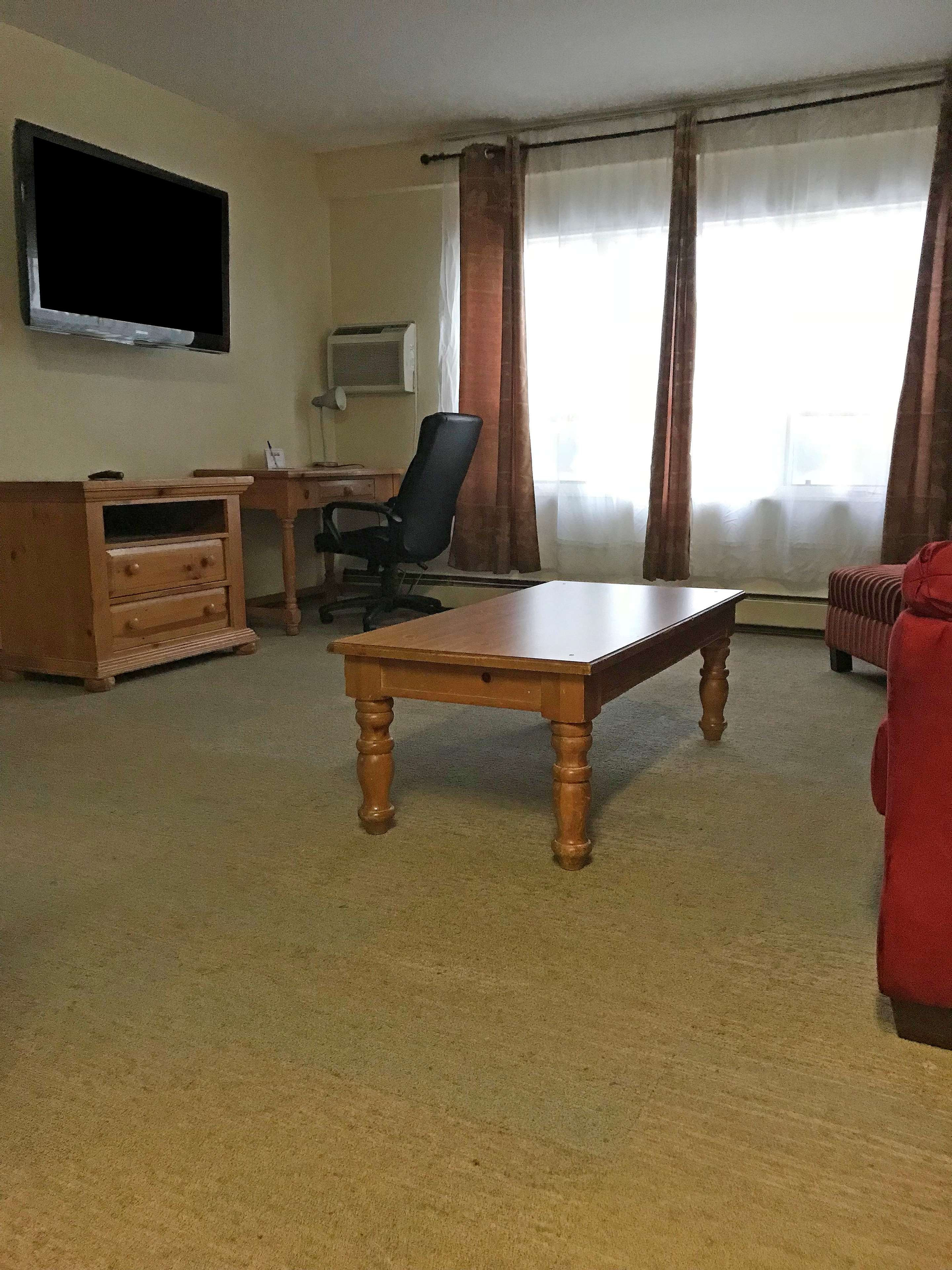 Americas Best Value Inn-Executive Suites / Airport Anchorage image 17