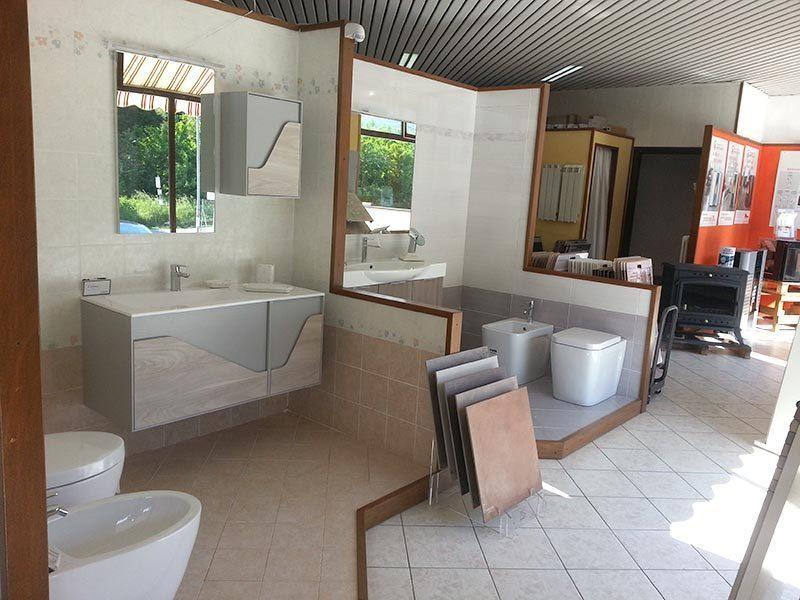 Il bagno di bonelli vetreria d 39 arte vetro soffiato - Arredo bagno villafranca ...