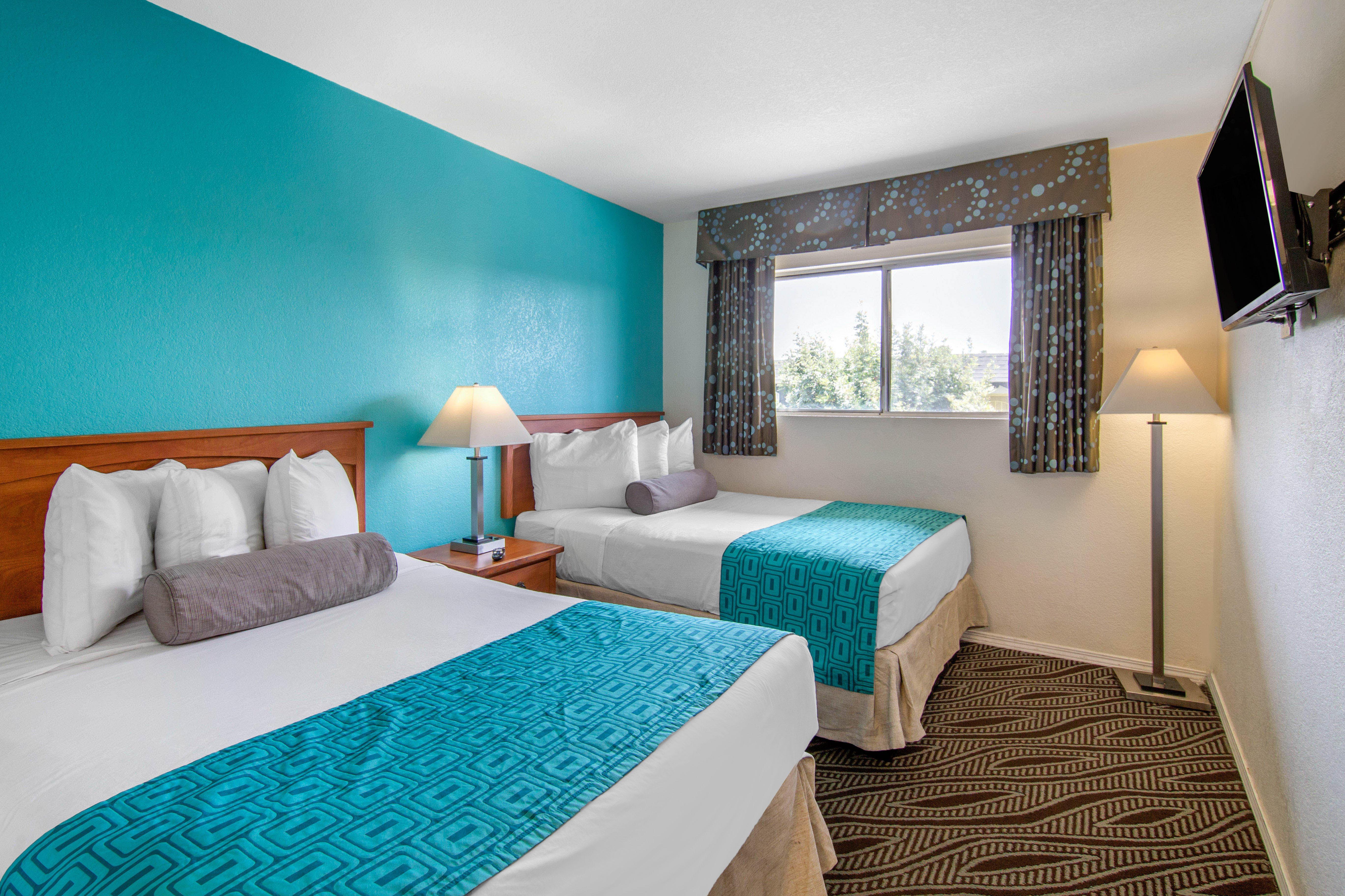 Howard Johnson by Wyndham Chula Vista San Diego Suite Hotel image 9