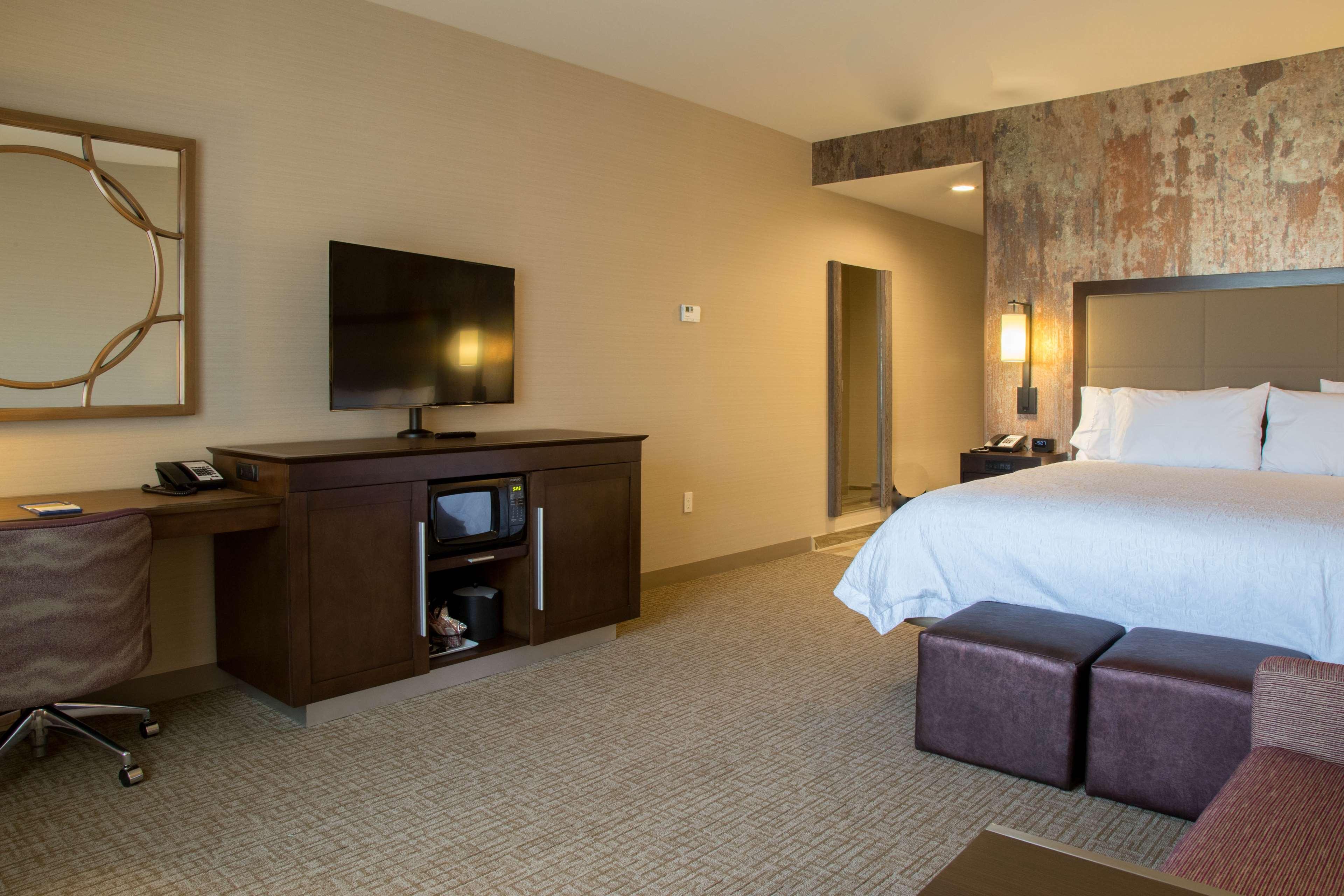 Hampton Inn & Suites Murrieta Temecula image 14