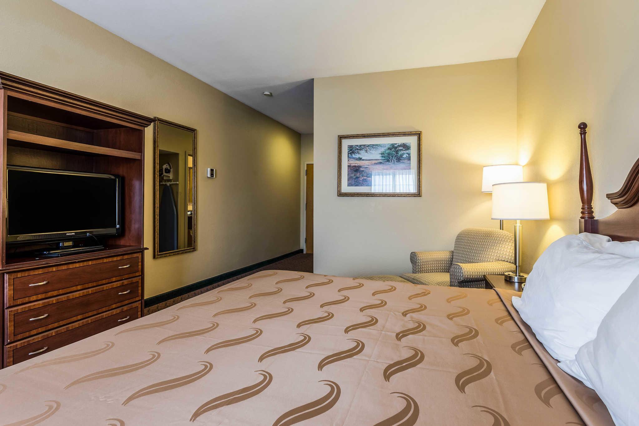 Quality Inn & Suites image 11