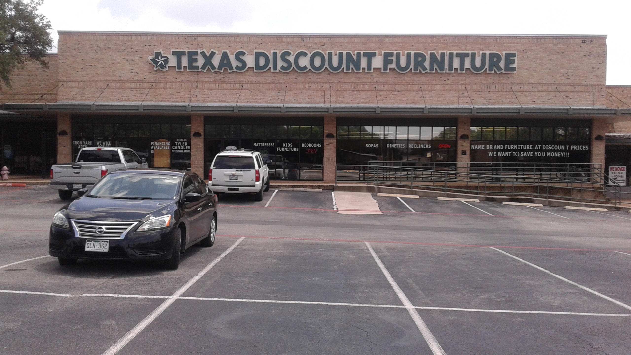 Texas discount furniture in cedar park tx 512 219 5 for Cedar park furniture
