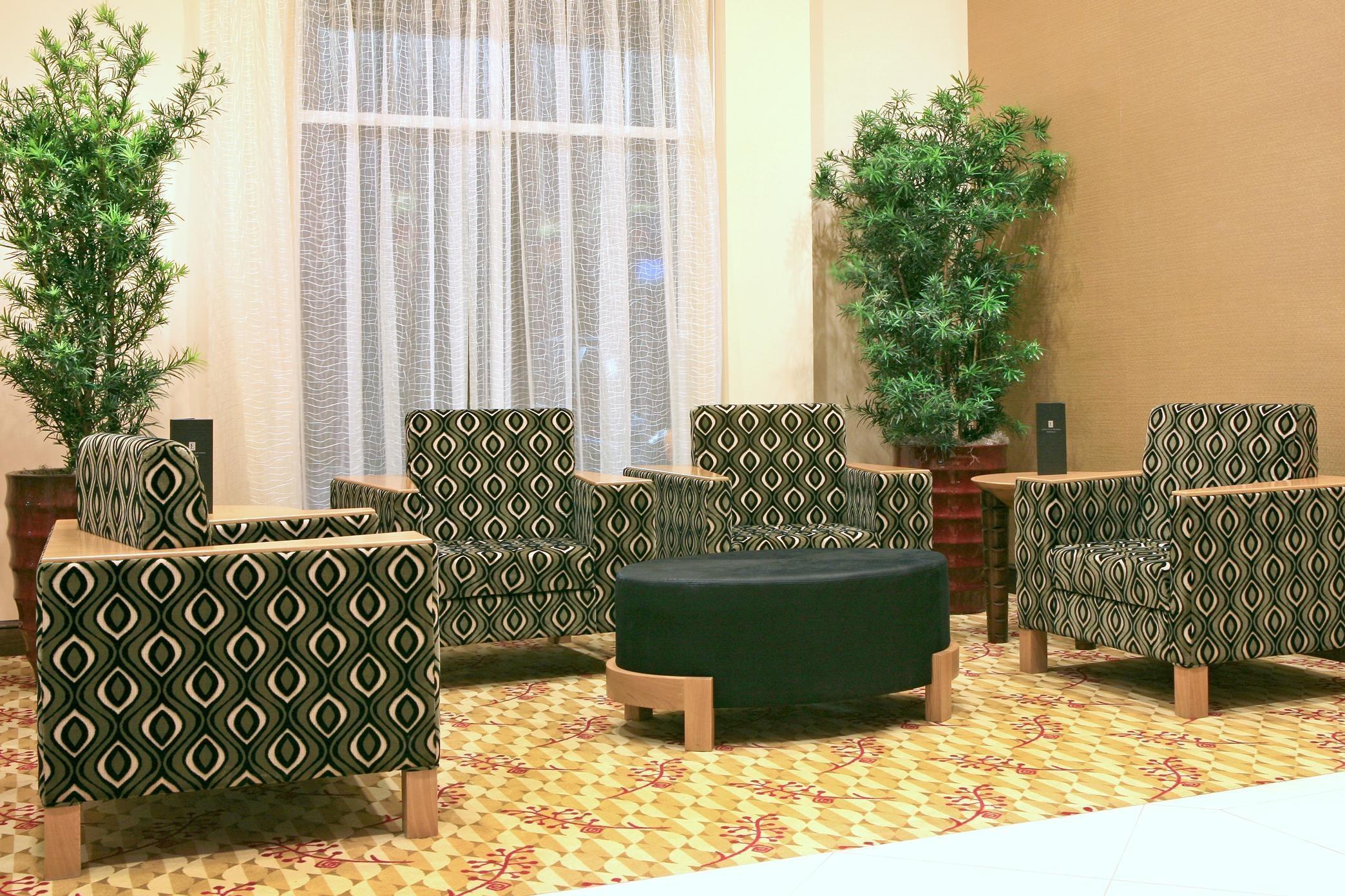 Embassy Suites by Hilton Birmingham Hoover image 4