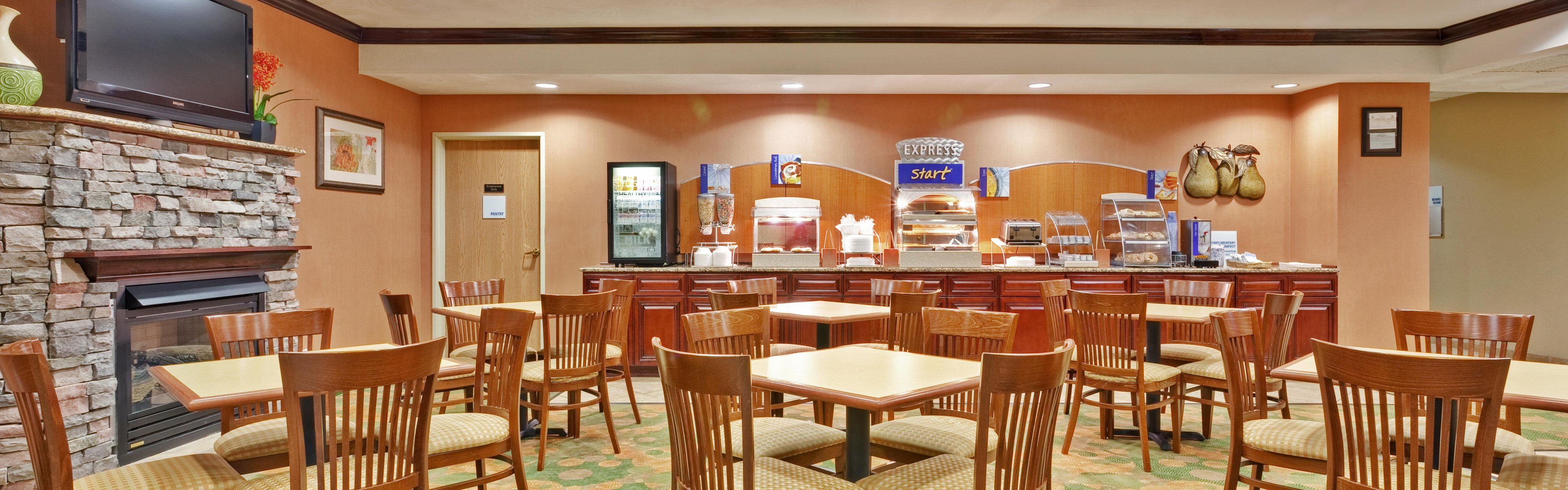 Holiday Inn Express Winfield - Teays Valley image 3