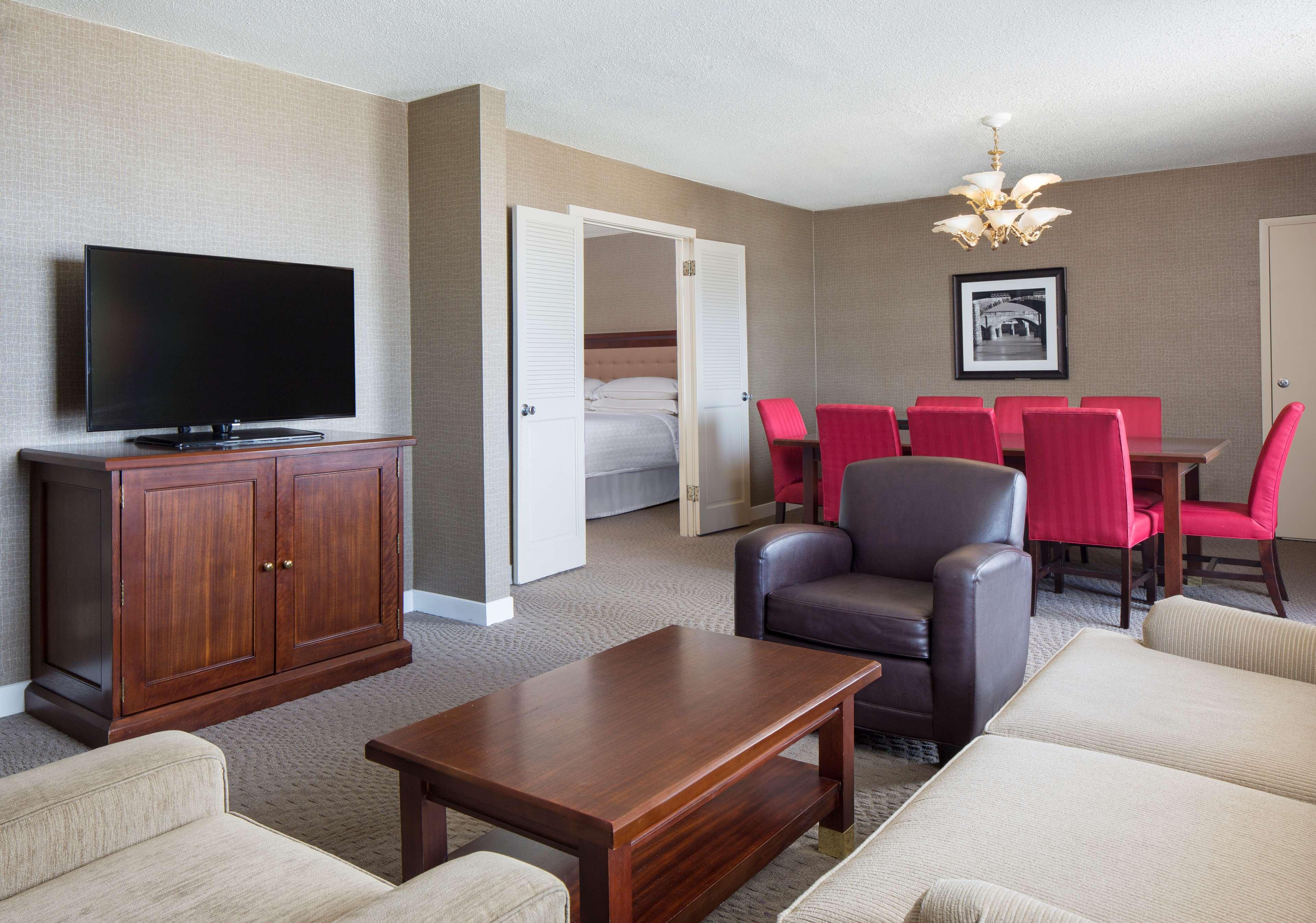 Sheraton Harrisburg Hershey Hotel image 11