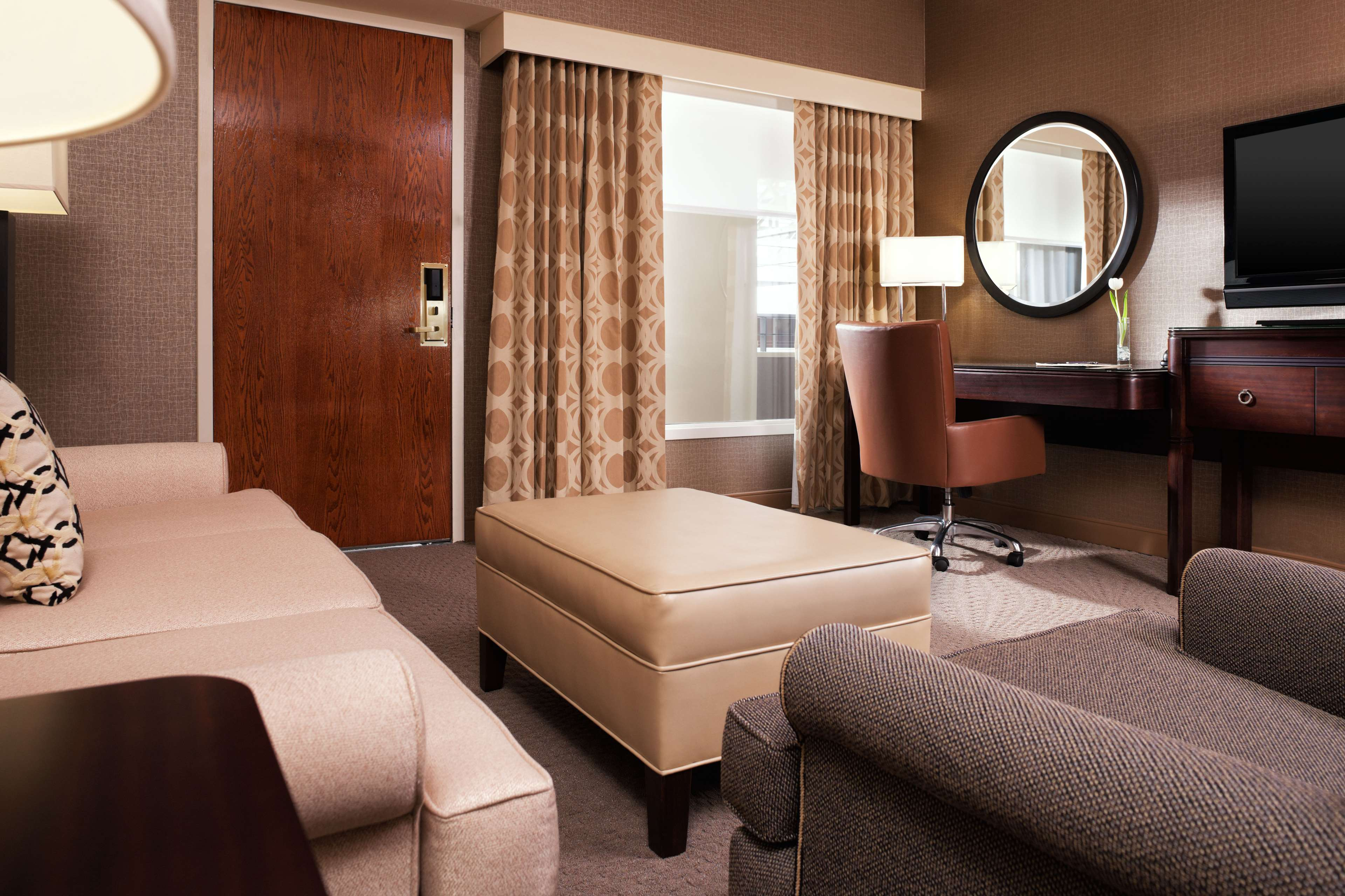 Sheraton Suites Chicago O'Hare image 6