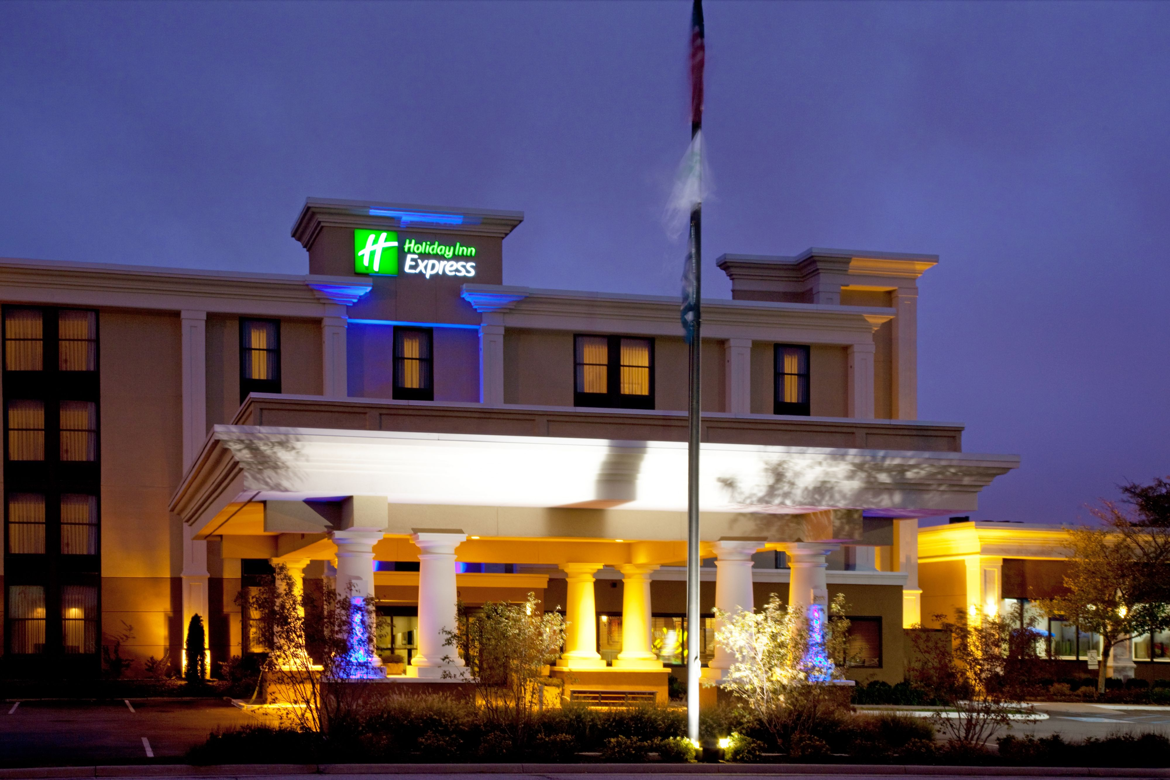 Holiday Inn Express & Suites Indianapolis NE - Noblesville image 0