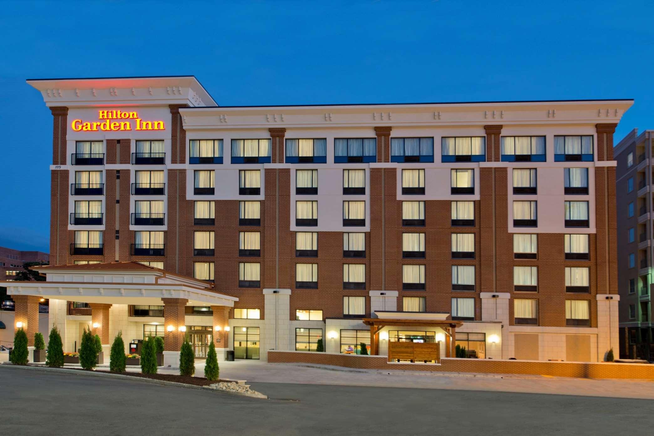 Hilton Garden Inn Knoxville/University 1706 Cumberland Avenue ...
