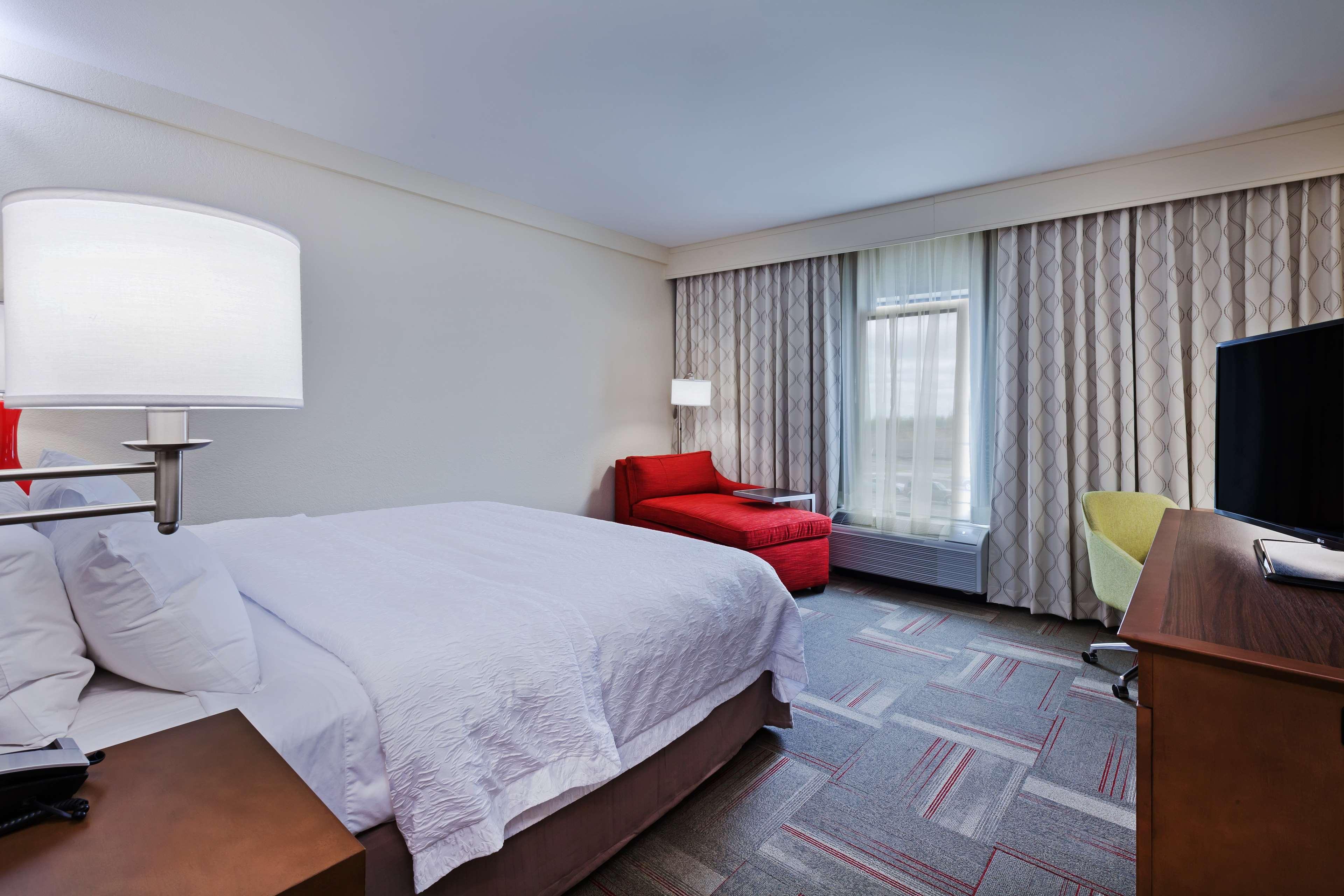 Hampton Inn & Suites Claremore image 31
