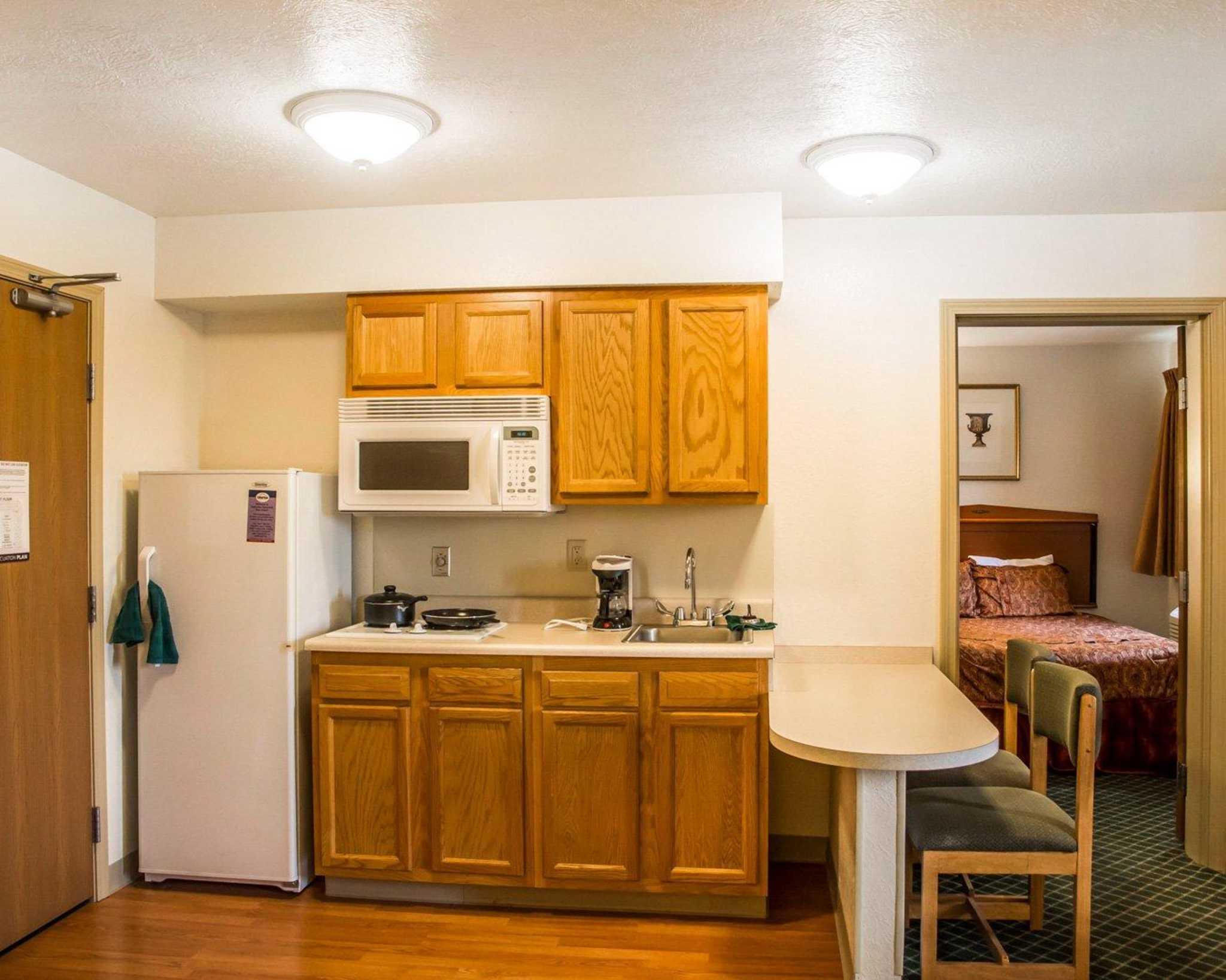 Suburban Extended Stay Hotel Dayton-WP AFB image 10