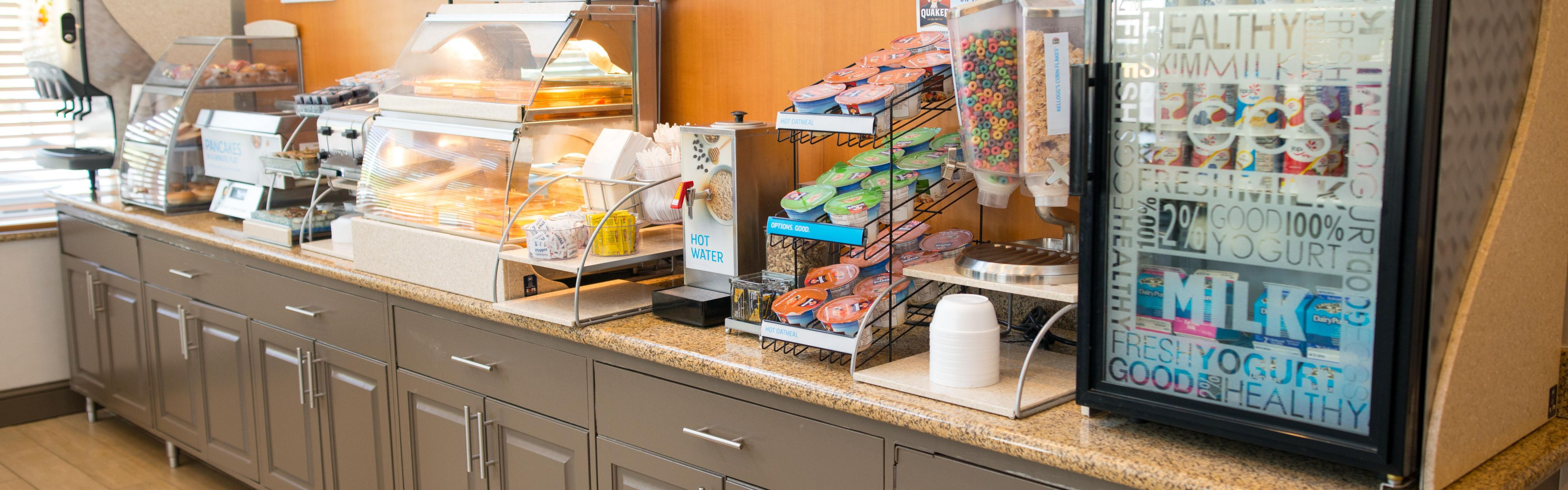 Holiday Inn Express & Suites Chanhassen image 3
