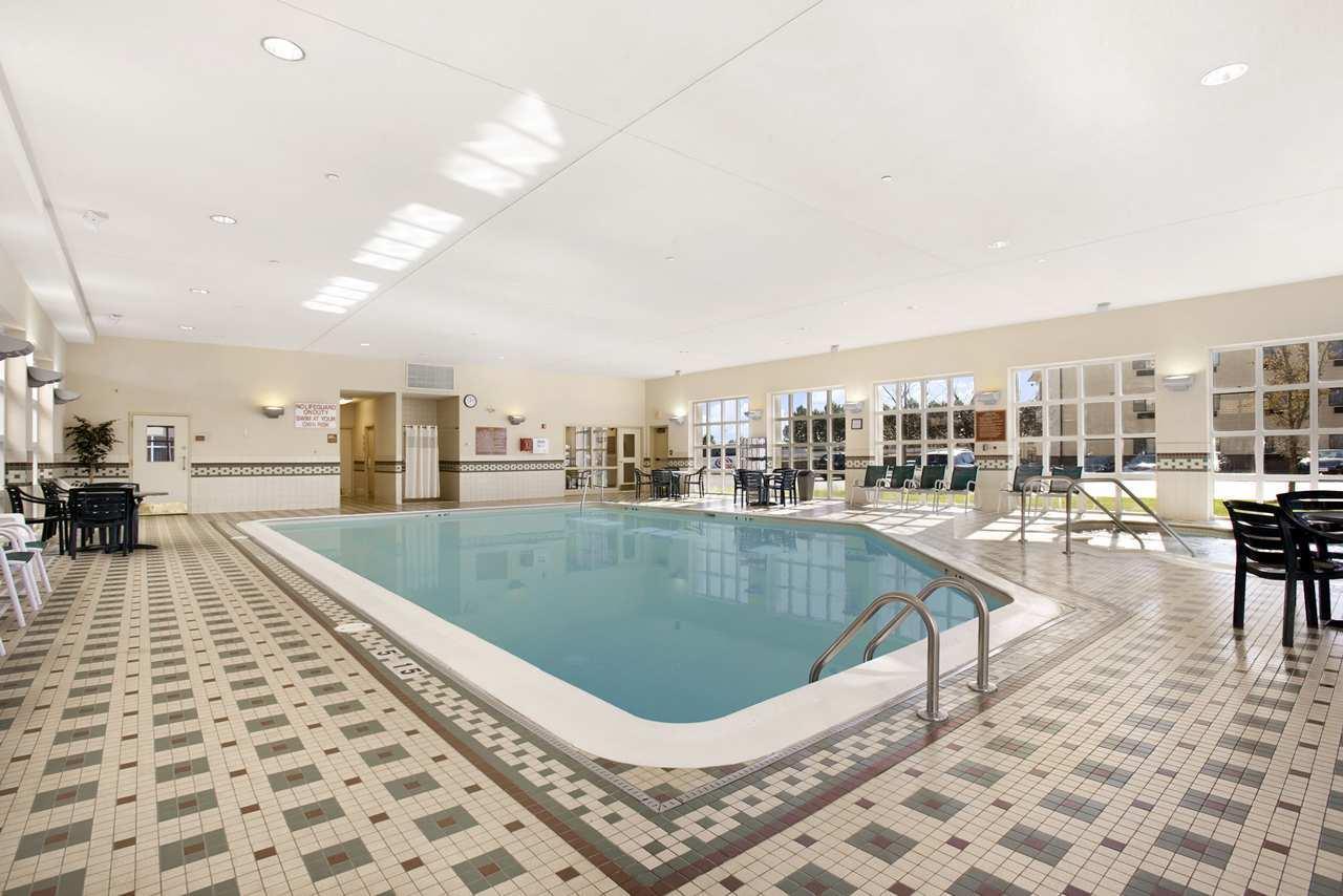 Hampton Inn & Suites Providence/Warwick-Airport image 5