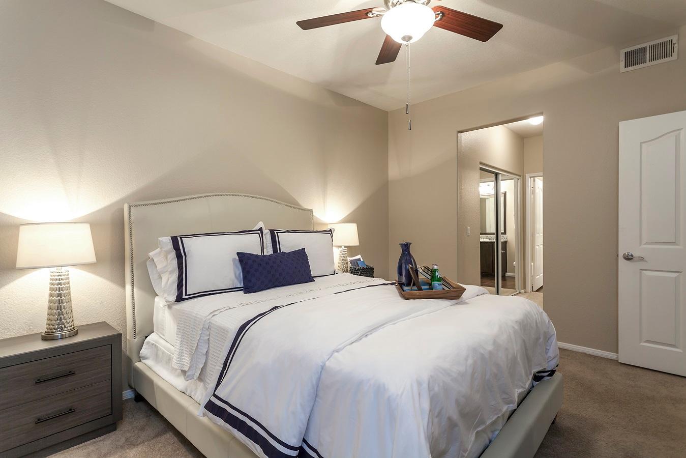 Camden Crown Valley Apartments image 6