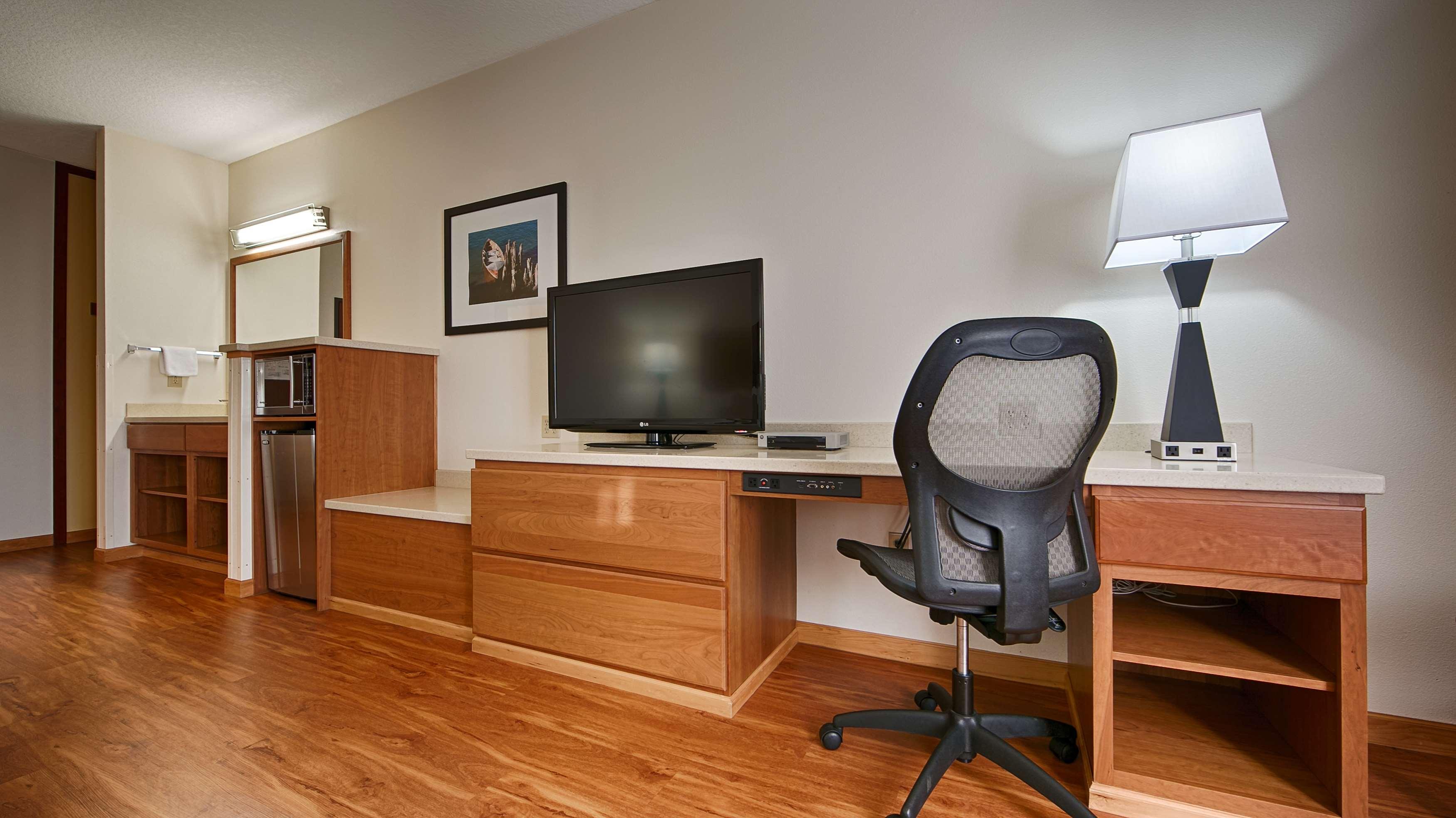 Best Western Plus Park Place Inn & Suites image 10