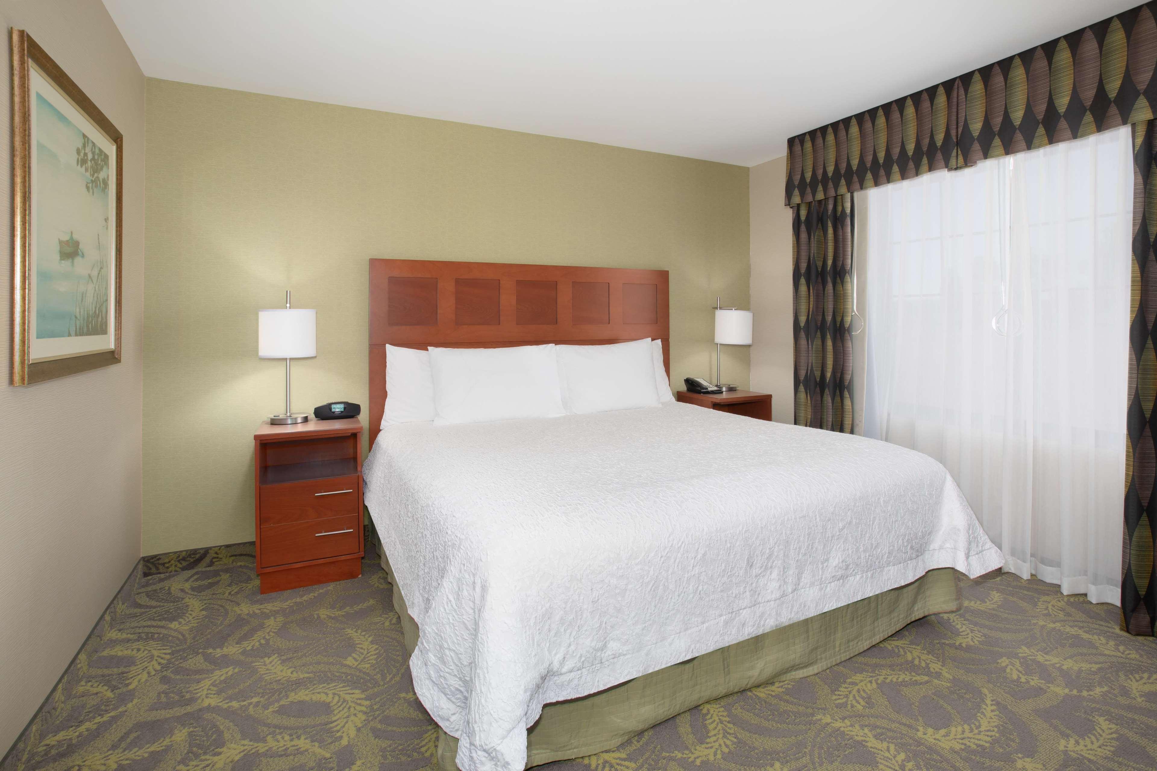 Hampton Inn & Suites Astoria image 34