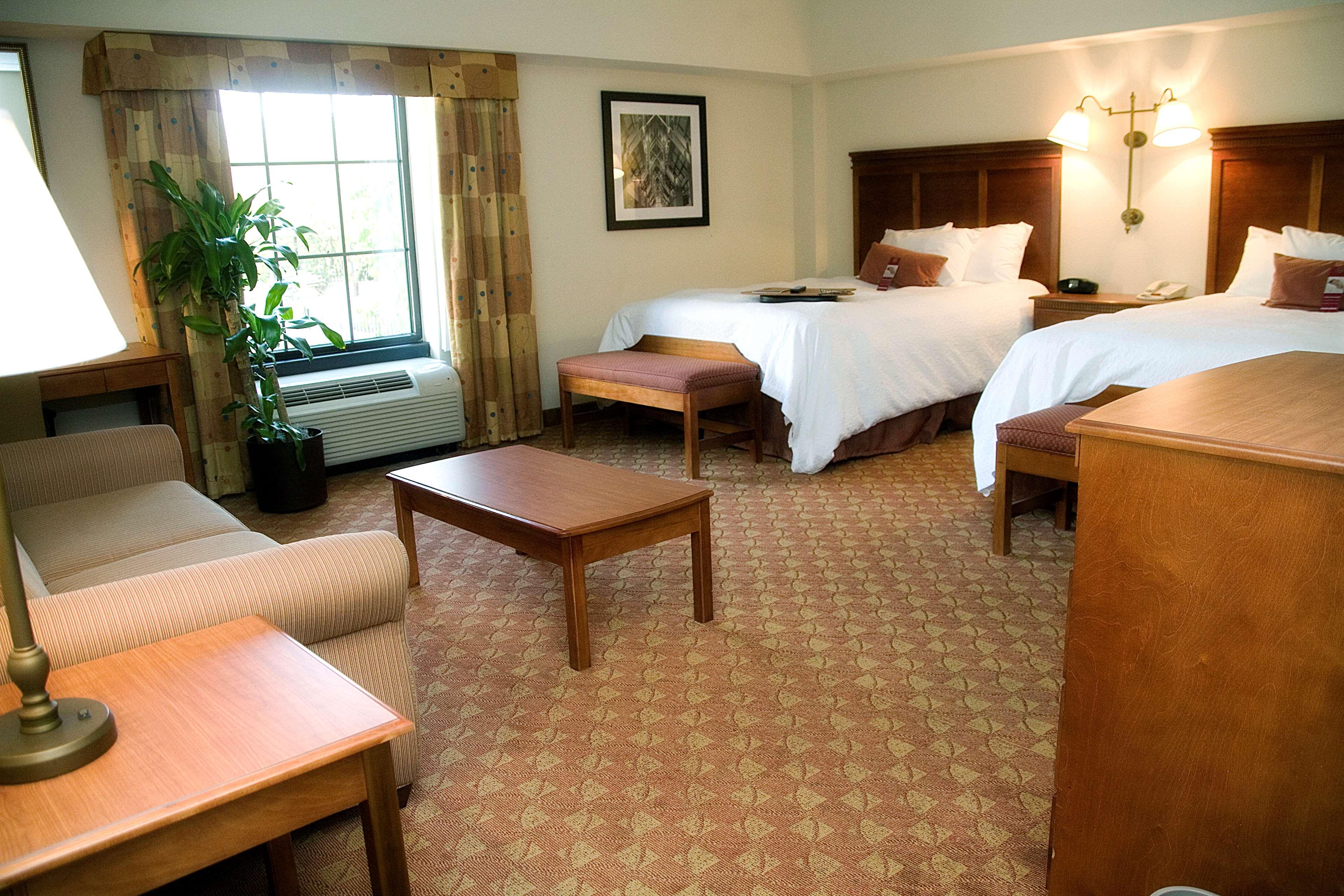 Hampton Inn & Suites Knoxville-Downtown image 19