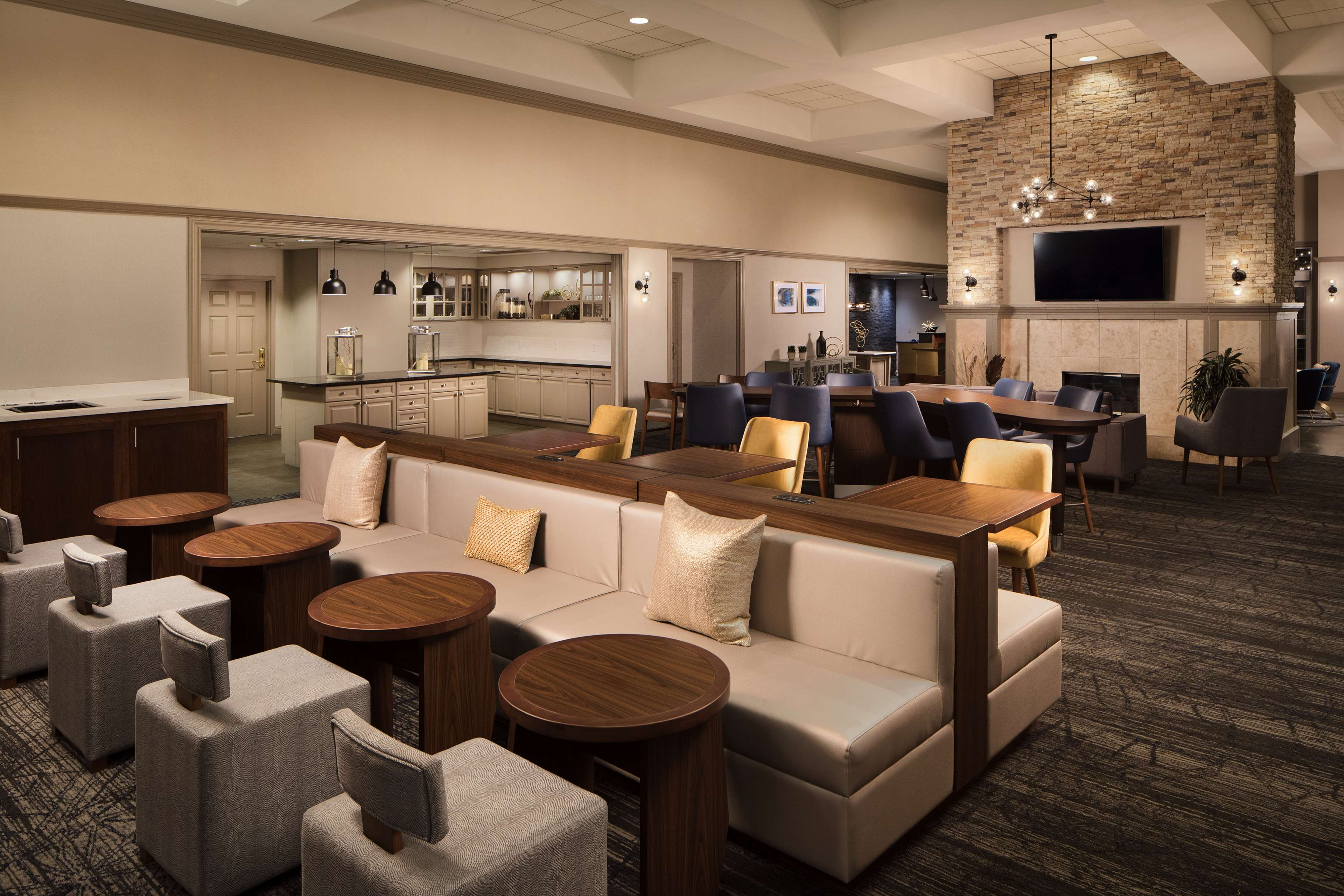 Homewood Suites by Hilton Lubbock image 4