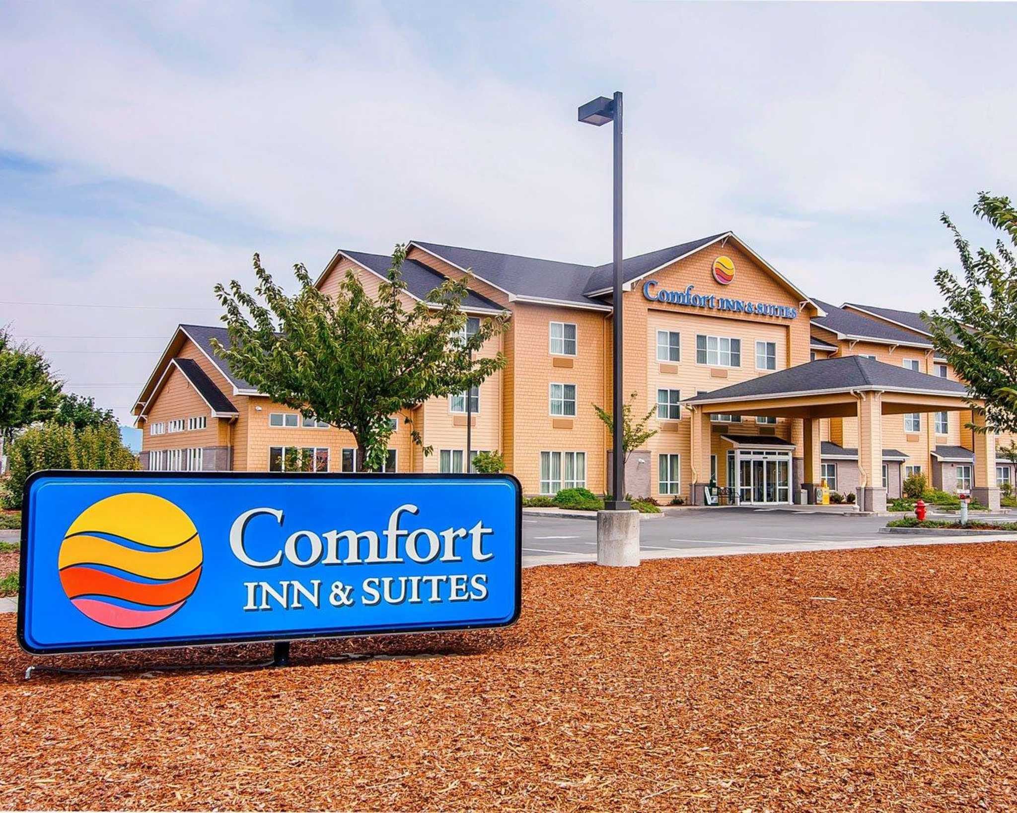 Comfort Inn Amp Suites Creswell Or Business Page