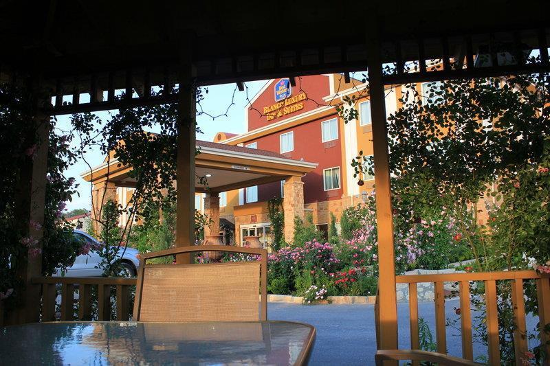 Best Western Plus Blanco Luxury Inn & Suites image 44
