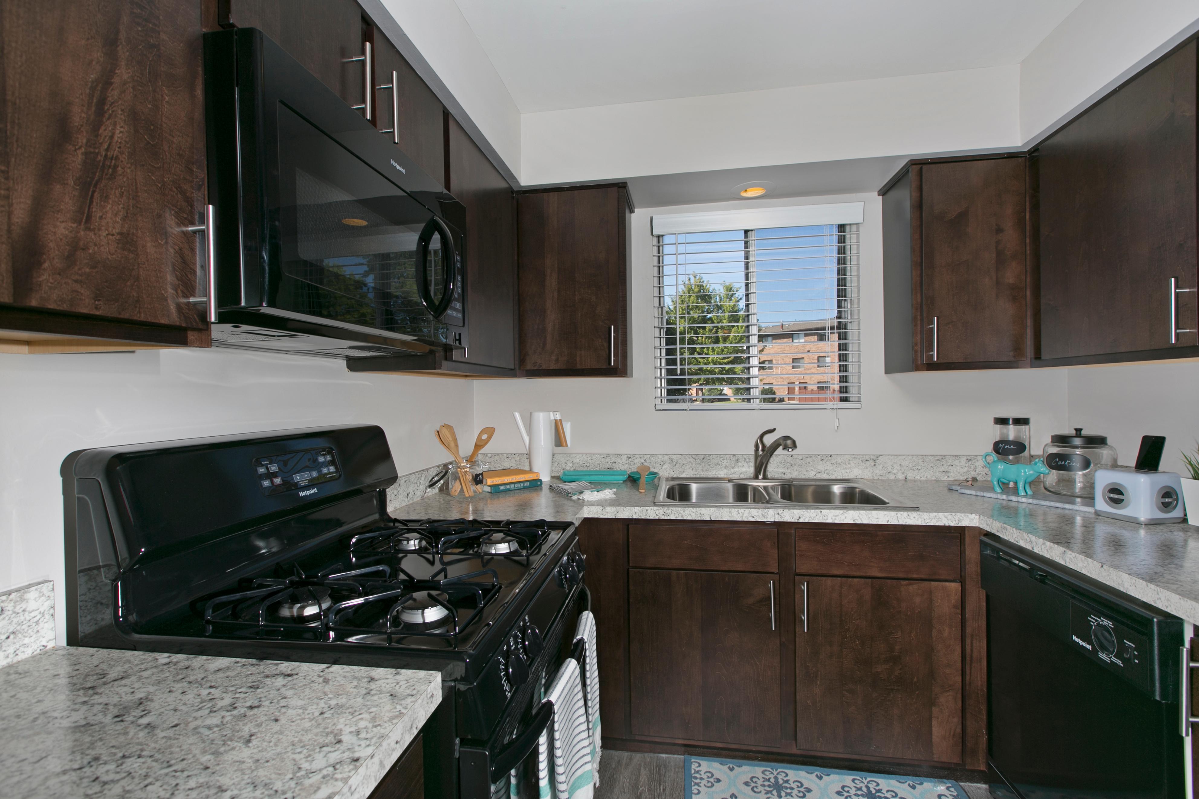 Westmont Village Apartments image 15