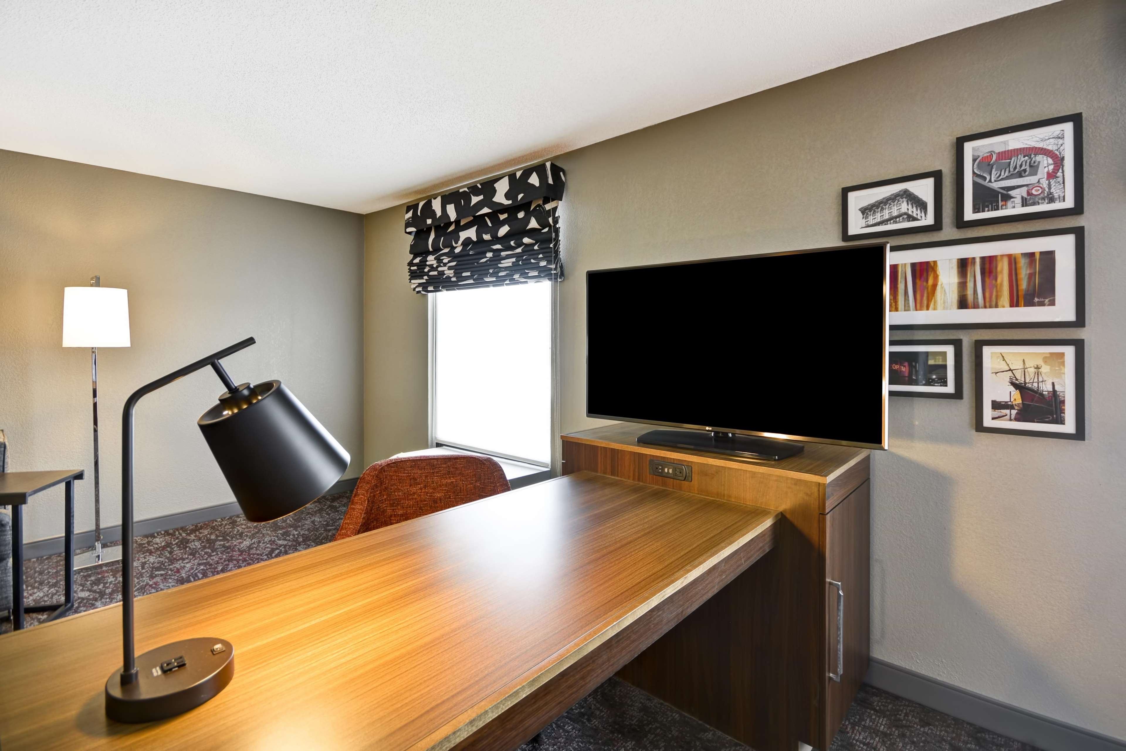 Hampton Inn & Suites Columbus-Easton Area image 37
