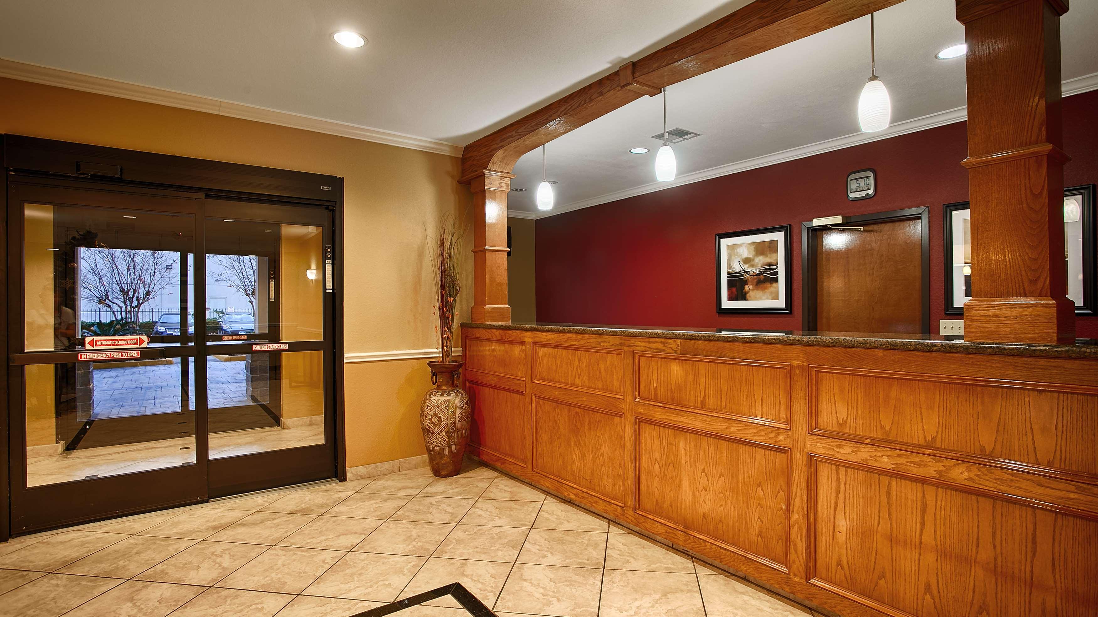 Best Western Plus North Houston Inn & Suites image 9