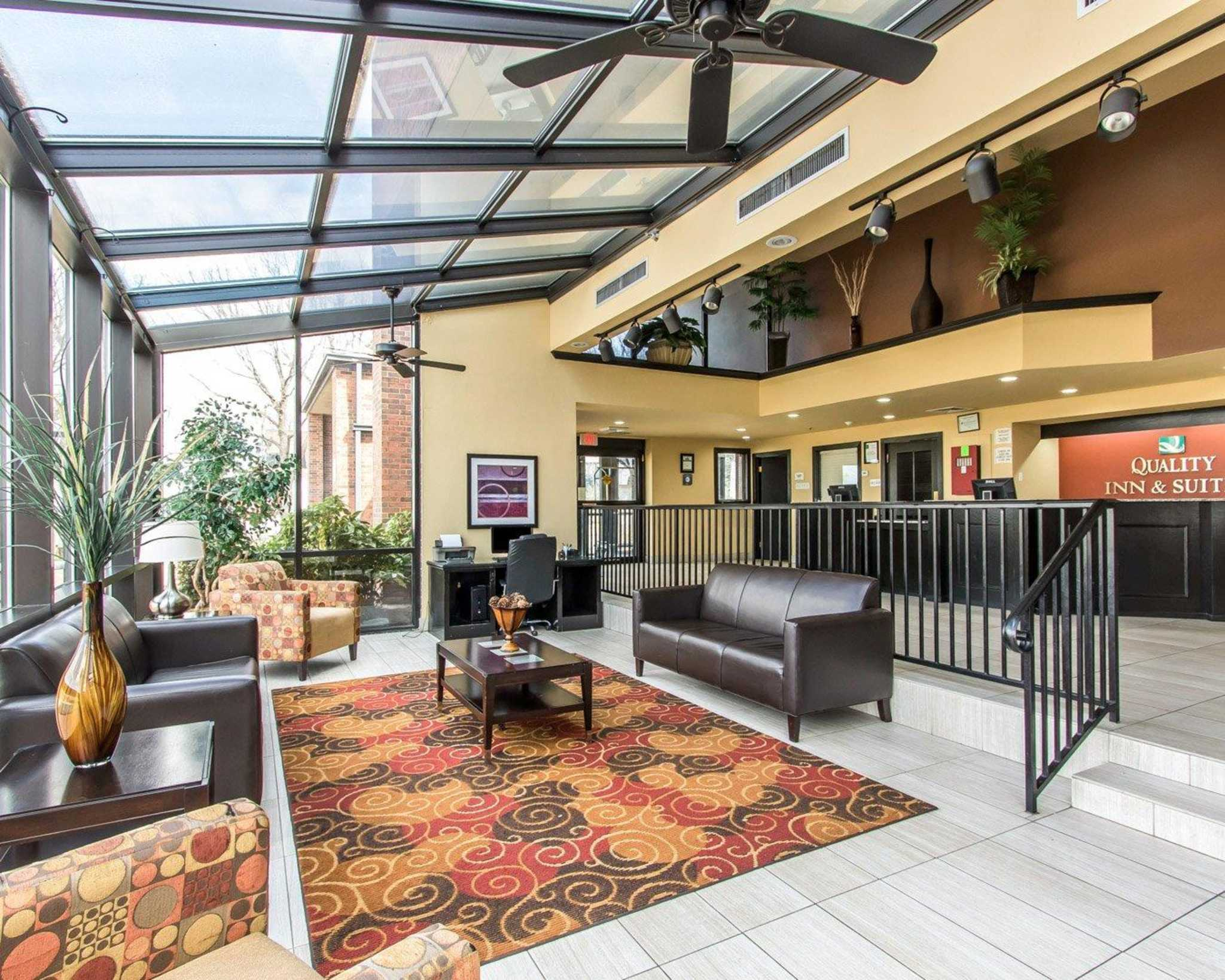 Quality Inn & Suites Fairgrounds West image 0