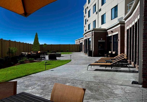 Courtyard by Marriott Salisbury image 10