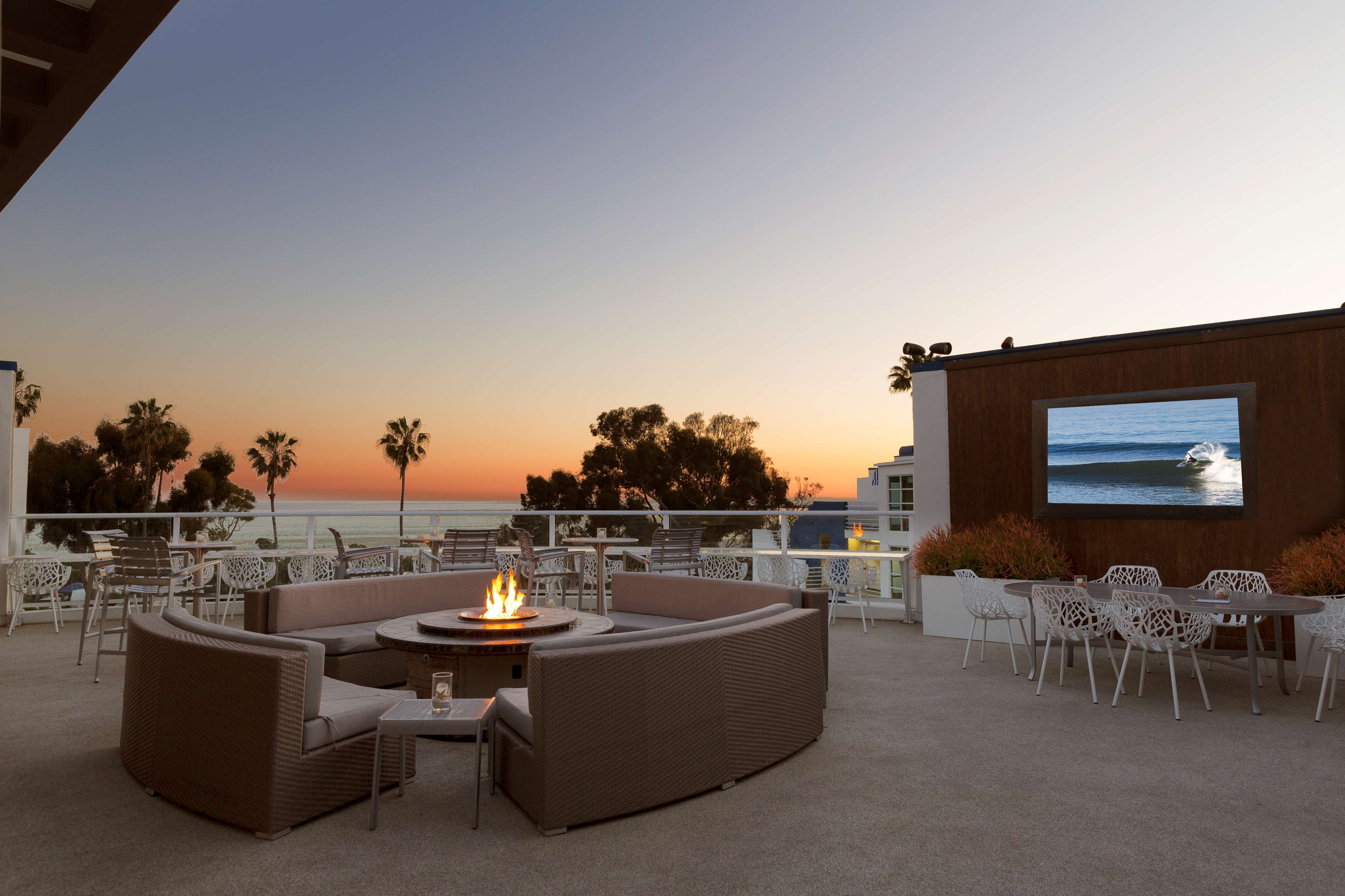 DoubleTree Suites by Hilton Hotel Doheny Beach - Dana Point image 9