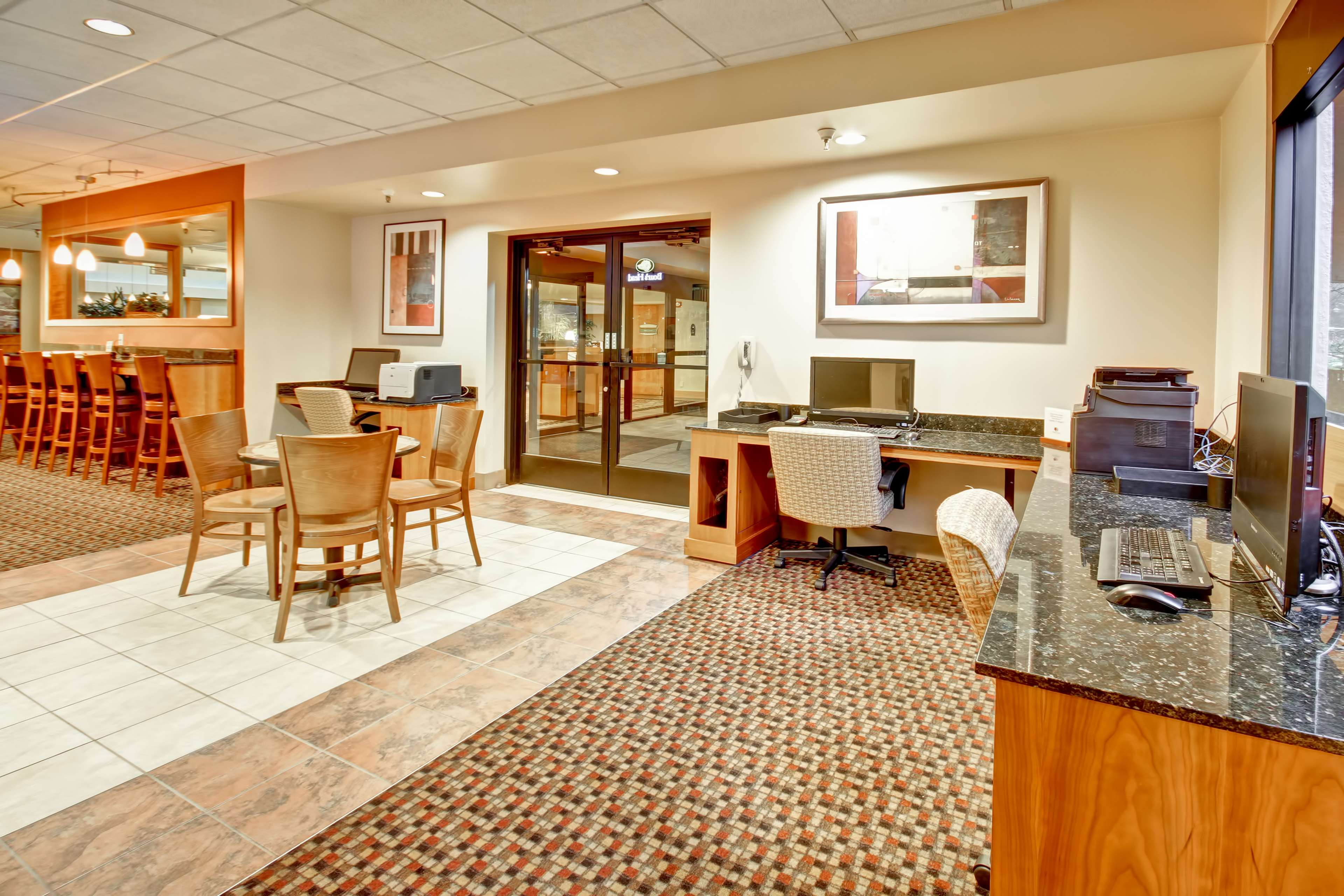 DoubleTree Suites by Hilton Hotel Seattle Airport - Southcenter image 22