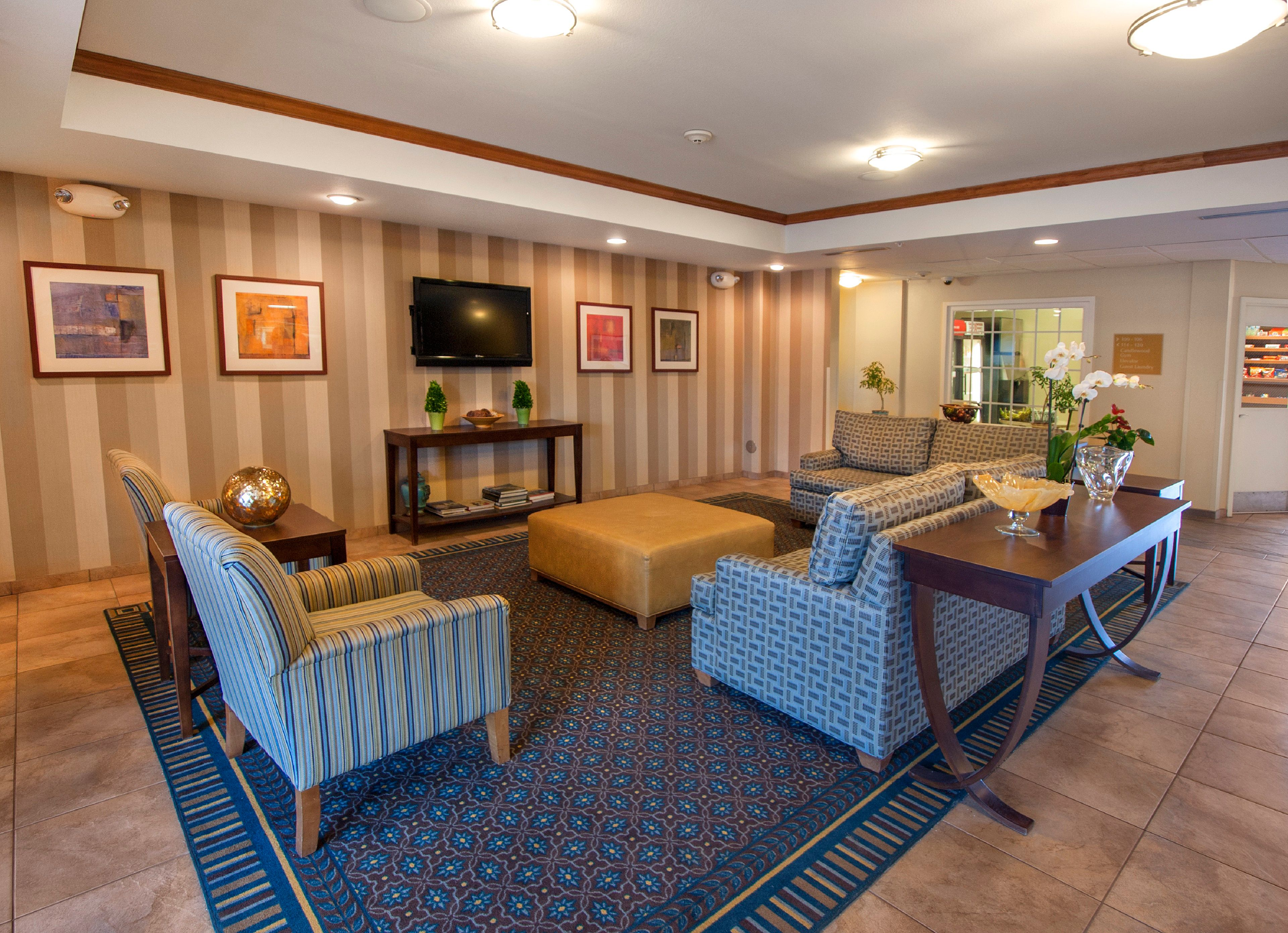 Candlewood Suites Buffalo Amherst image 3