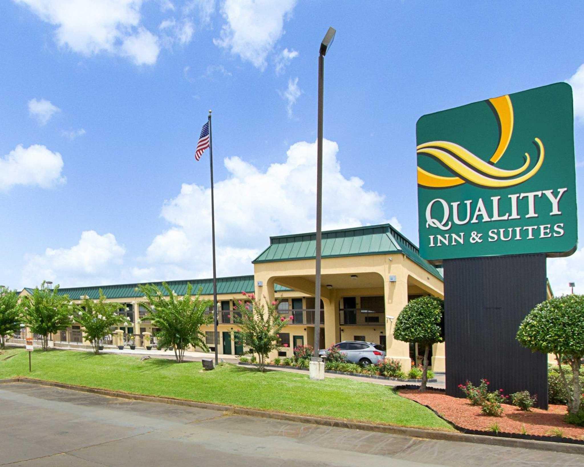 Quality Inn & Suites Southwest image 2