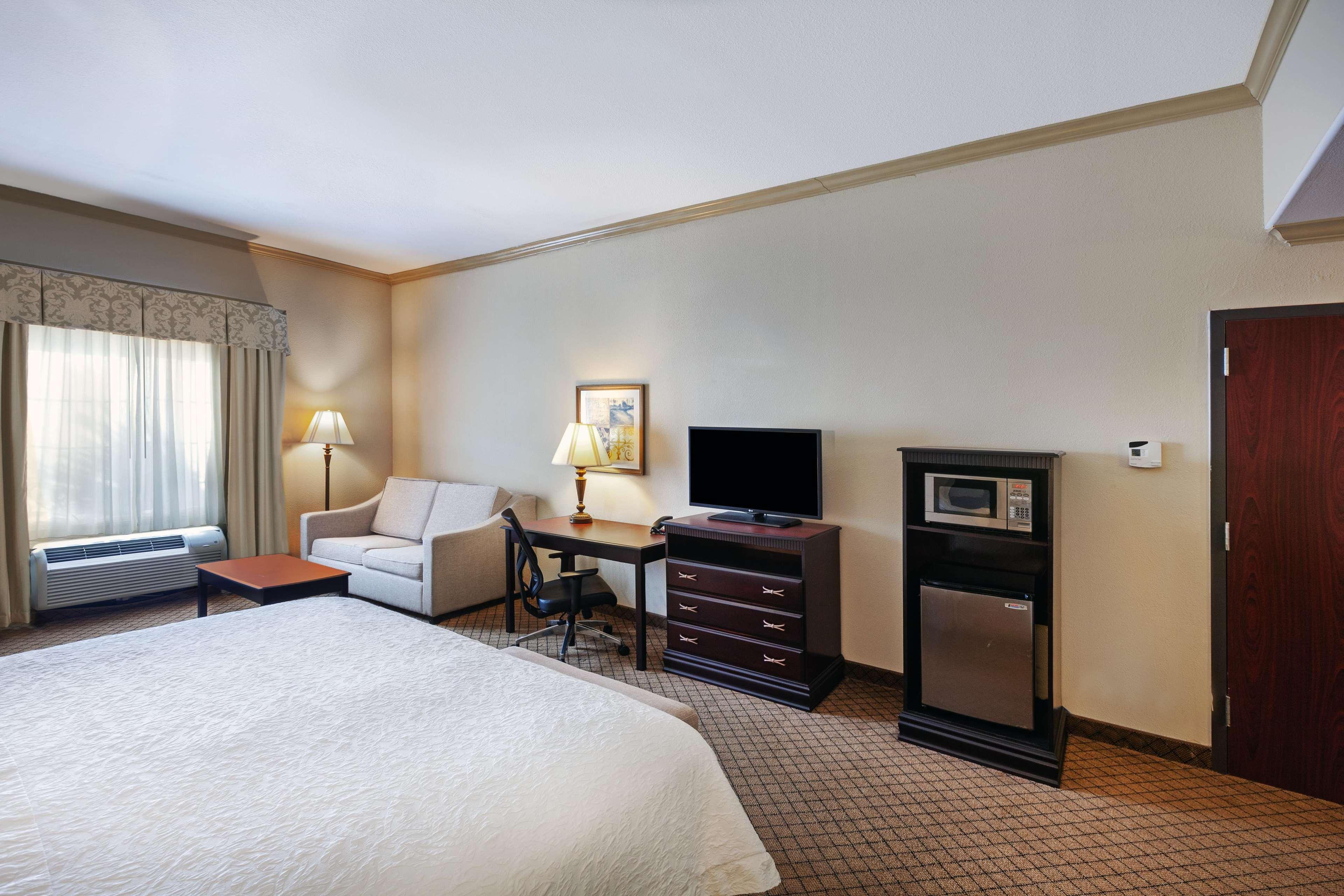 Hampton Inn & Suites Galveston image 23