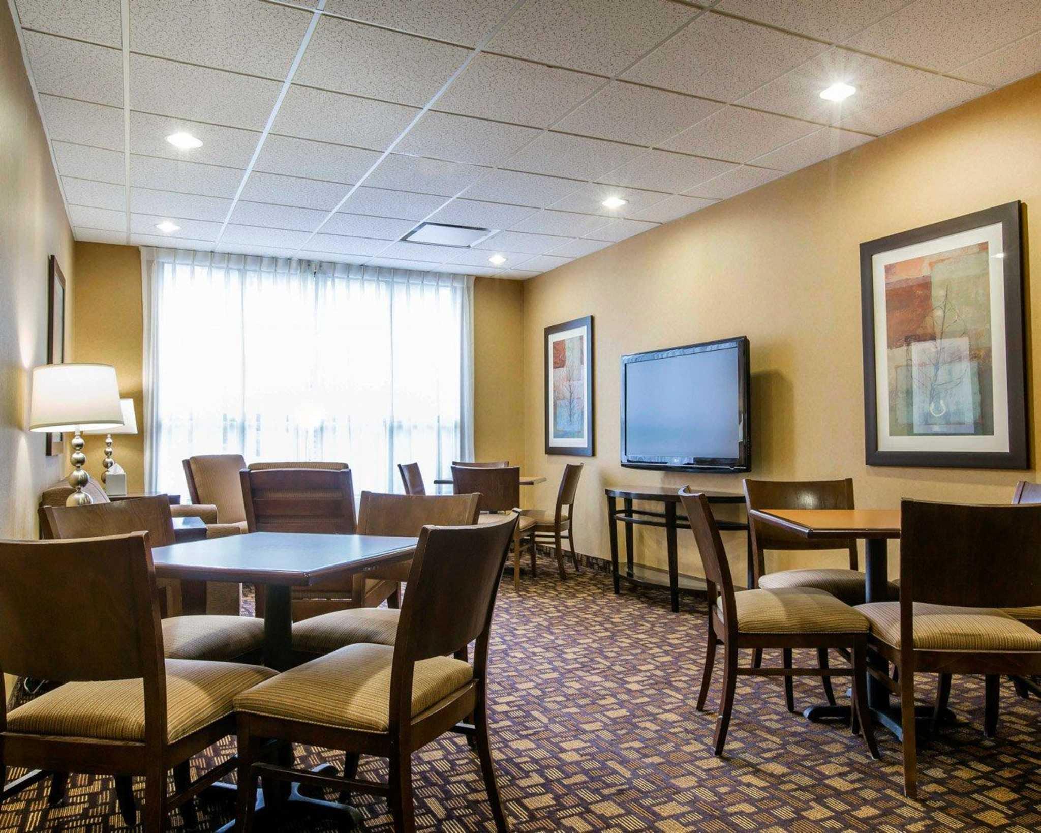 Comfort Inn & Suites adj to Akwesasne Mohawk Casino image 38