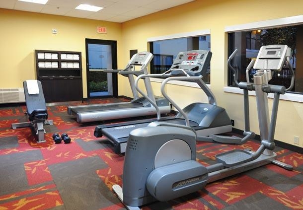 Courtyard by Marriott Houston Hobby Airport image 21